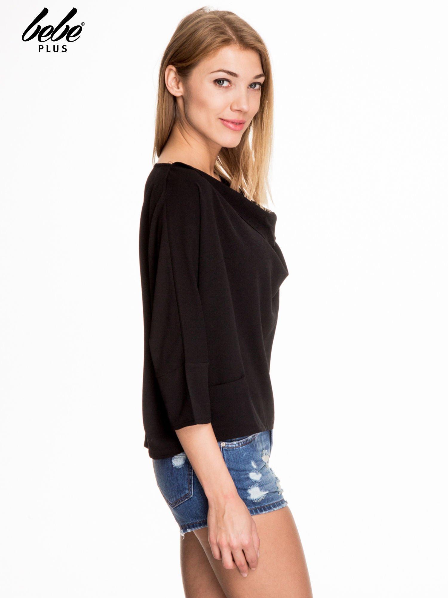 Czarna luźna koszula z dekoltem typu woda                                  zdj.                                  3