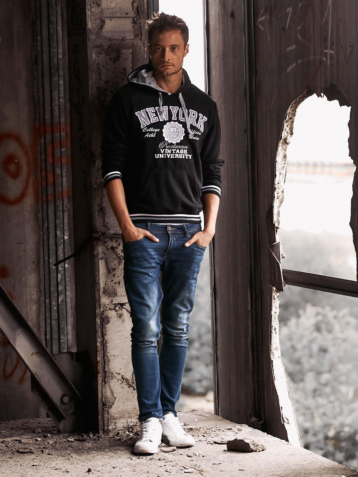Czarna ocieplana bluza męska z napisem NEW YORK i naszywką                                  zdj.                                  8