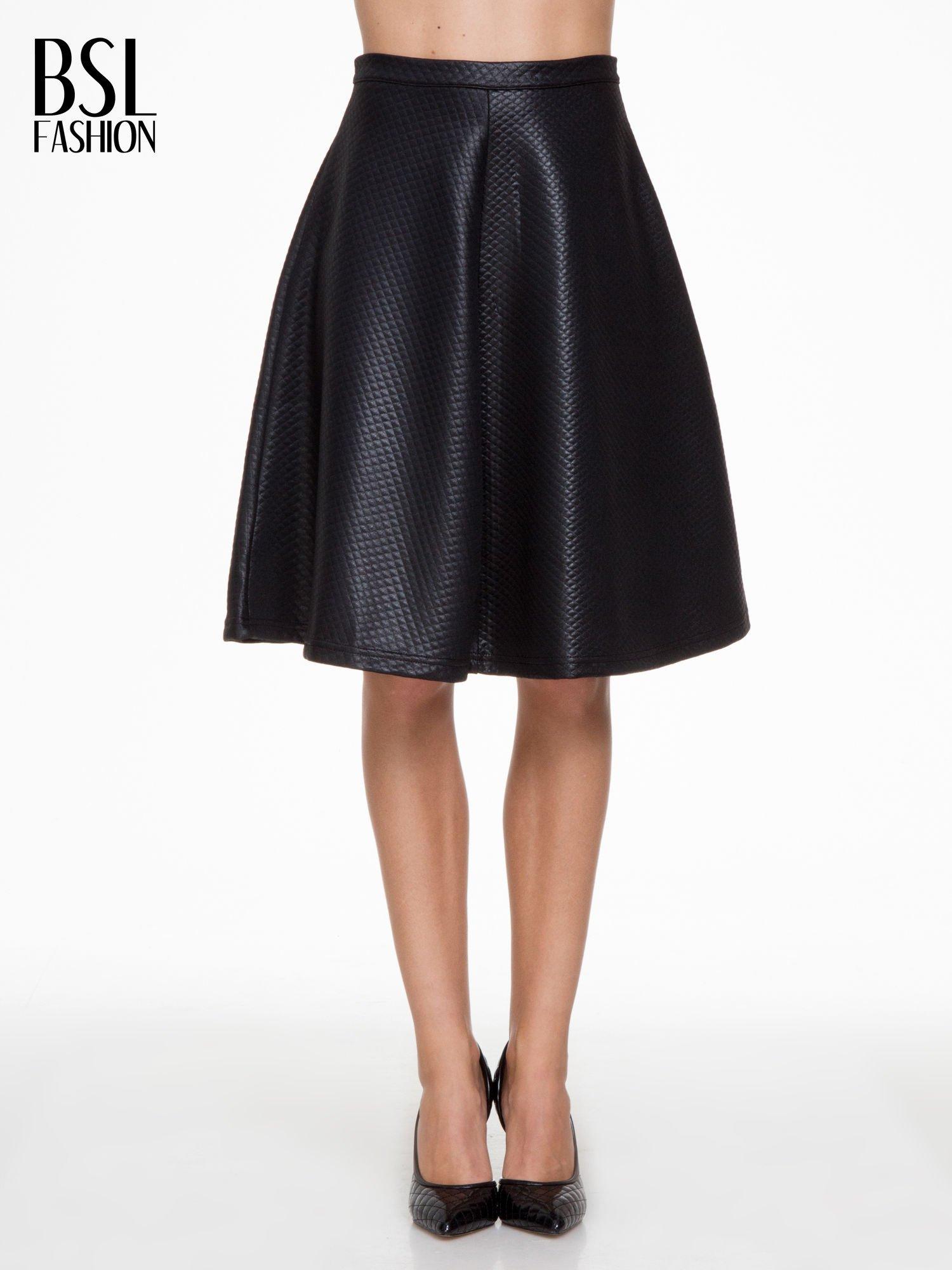 Czarna pikowana spódnica midi                                  zdj.                                  1