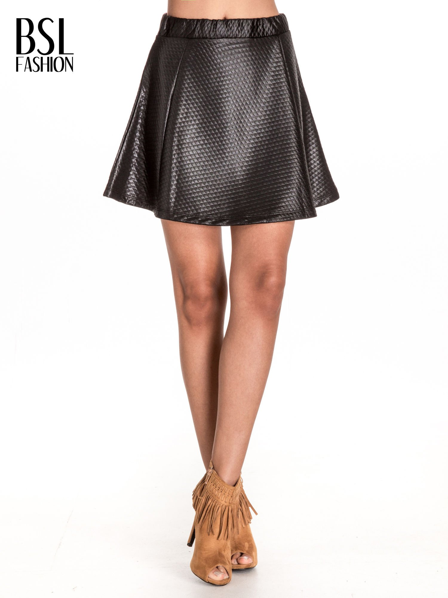 Czarna pikowana spódnica mini ze skóry                                  zdj.                                  1