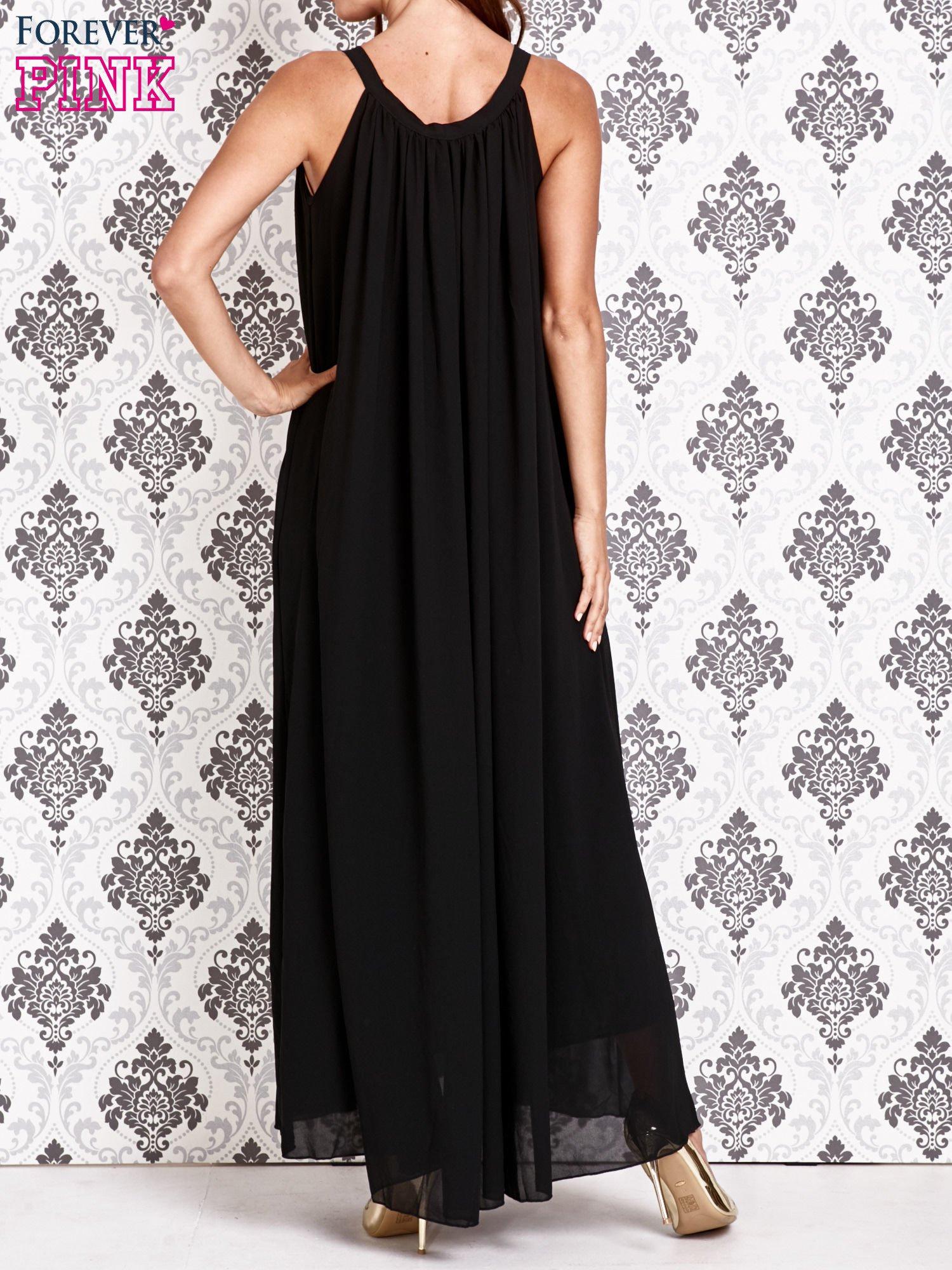 Czarna sukienka maxi z wiązaniem przy dekolcie                                  zdj.                                  3
