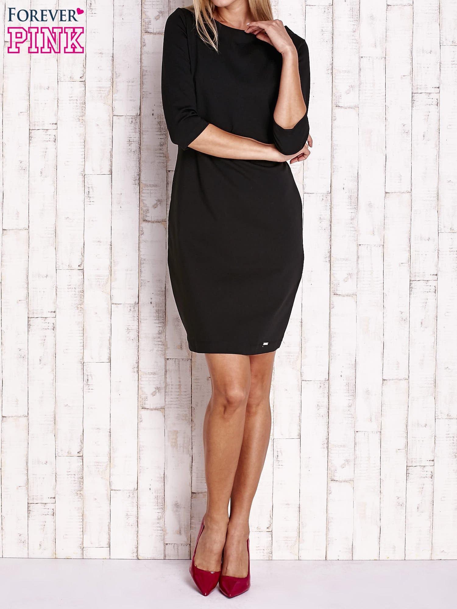 Czarna sukienka z dekoltem w łódkę                                  zdj.                                  2