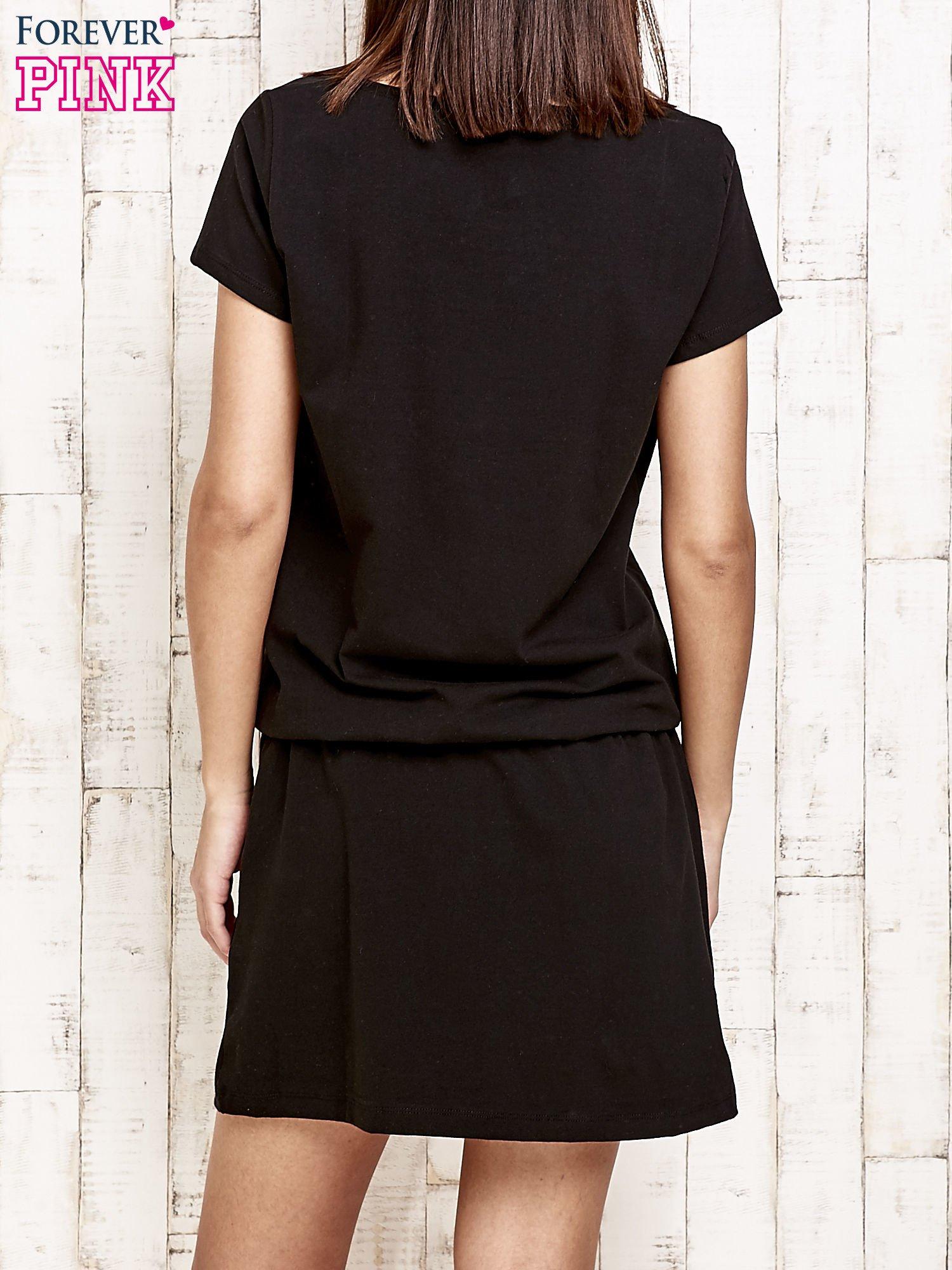 Czarna sukienka z kieszonkami                                  zdj.                                  4