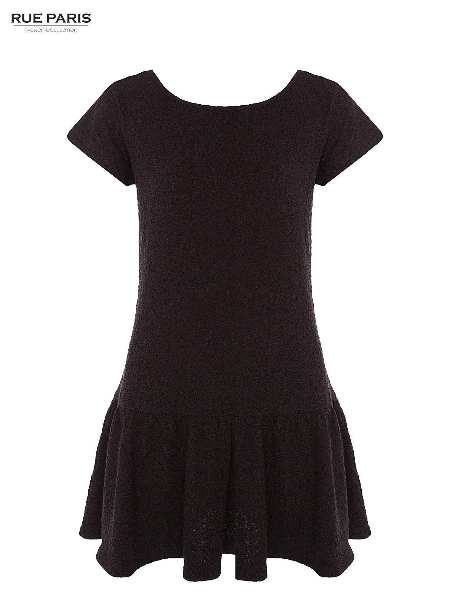 Czarna sukienka z obniżoną talią i falbaną na dole                                  zdj.                                  7