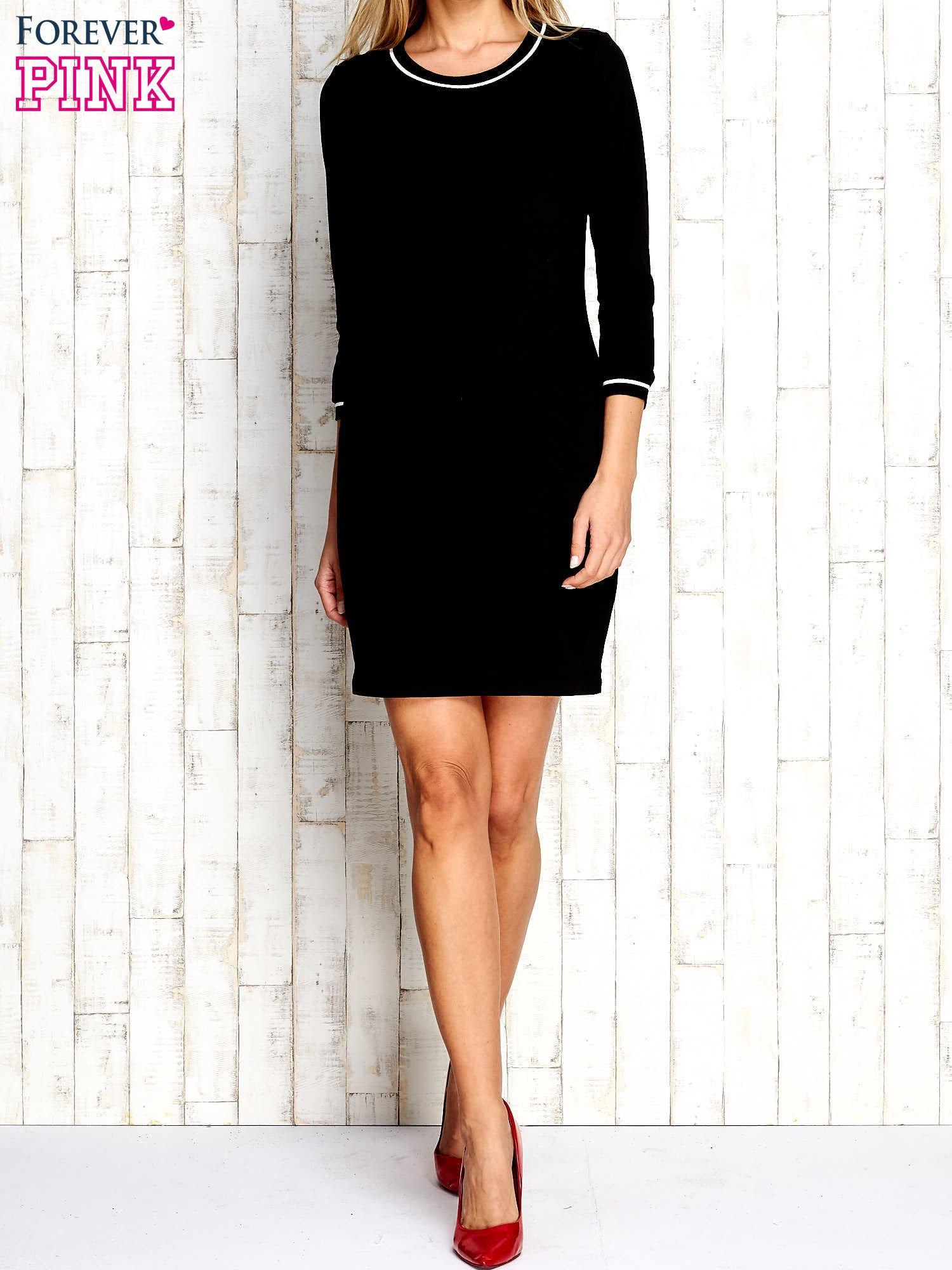 Czarna sukienka z rękawem 3/4                                  zdj.                                  5