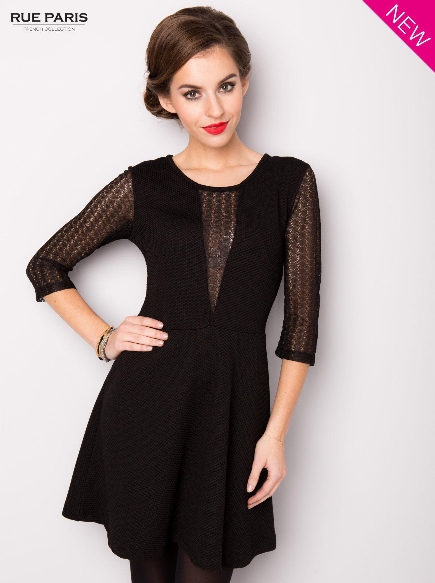 Czarna sukienka z transparentnym głębokim dekoltem                                  zdj.                                  3
