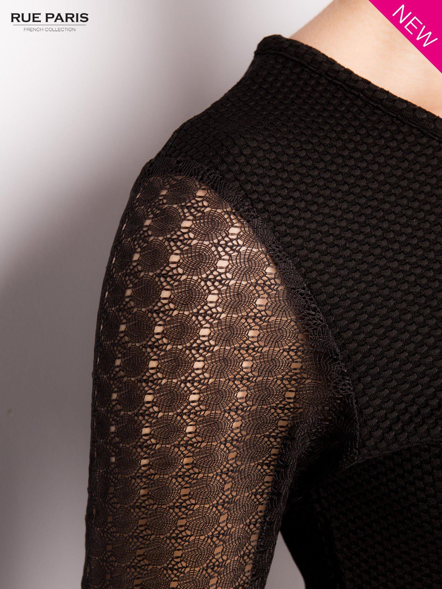 Czarna sukienka z transparentnym głębokim dekoltem                                  zdj.                                  7