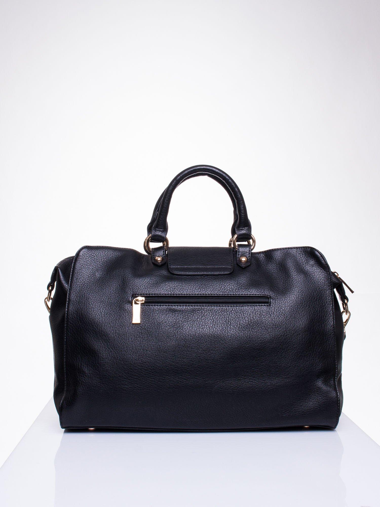 Czarna torba kuferek z klapką                                  zdj.                                  2
