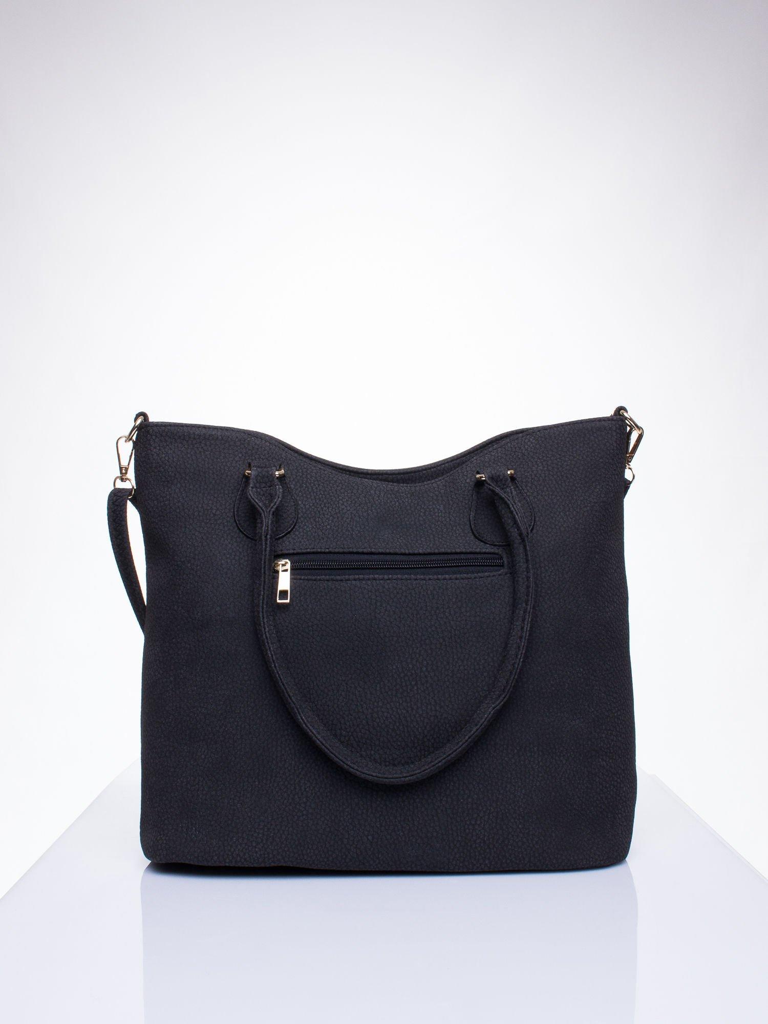 Czarna torba shopper bag ze złotymi okuciami przy rączkach                                  zdj.                                  3
