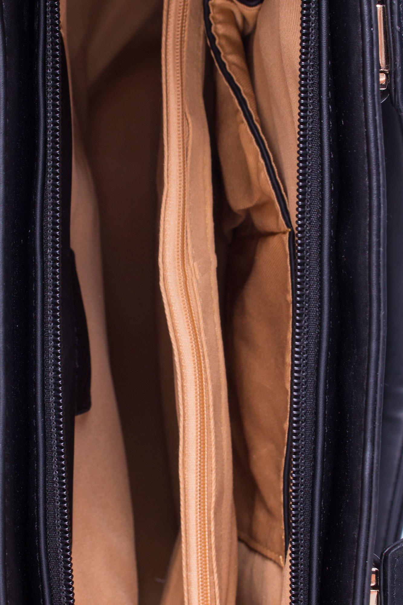 Czarna torba shopper ze stębnowaniem                                  zdj.                                  4