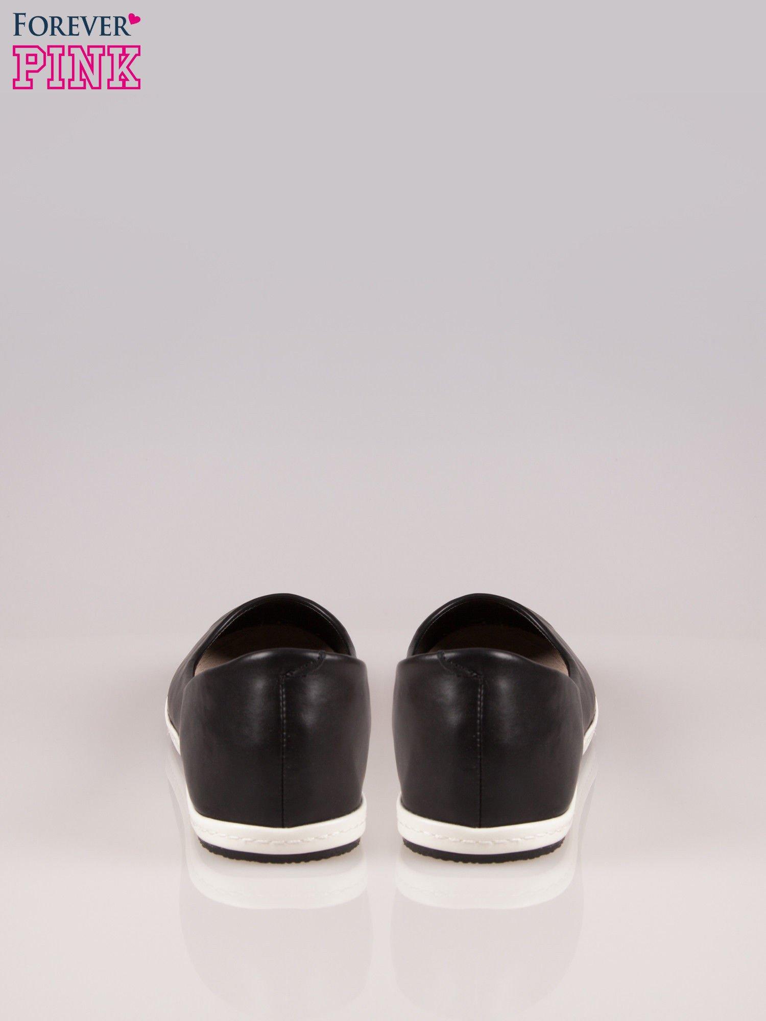 Czarne baleriny Sunny ze smukłym noskiem na kontrastowej podeszwie                                  zdj.                                  3