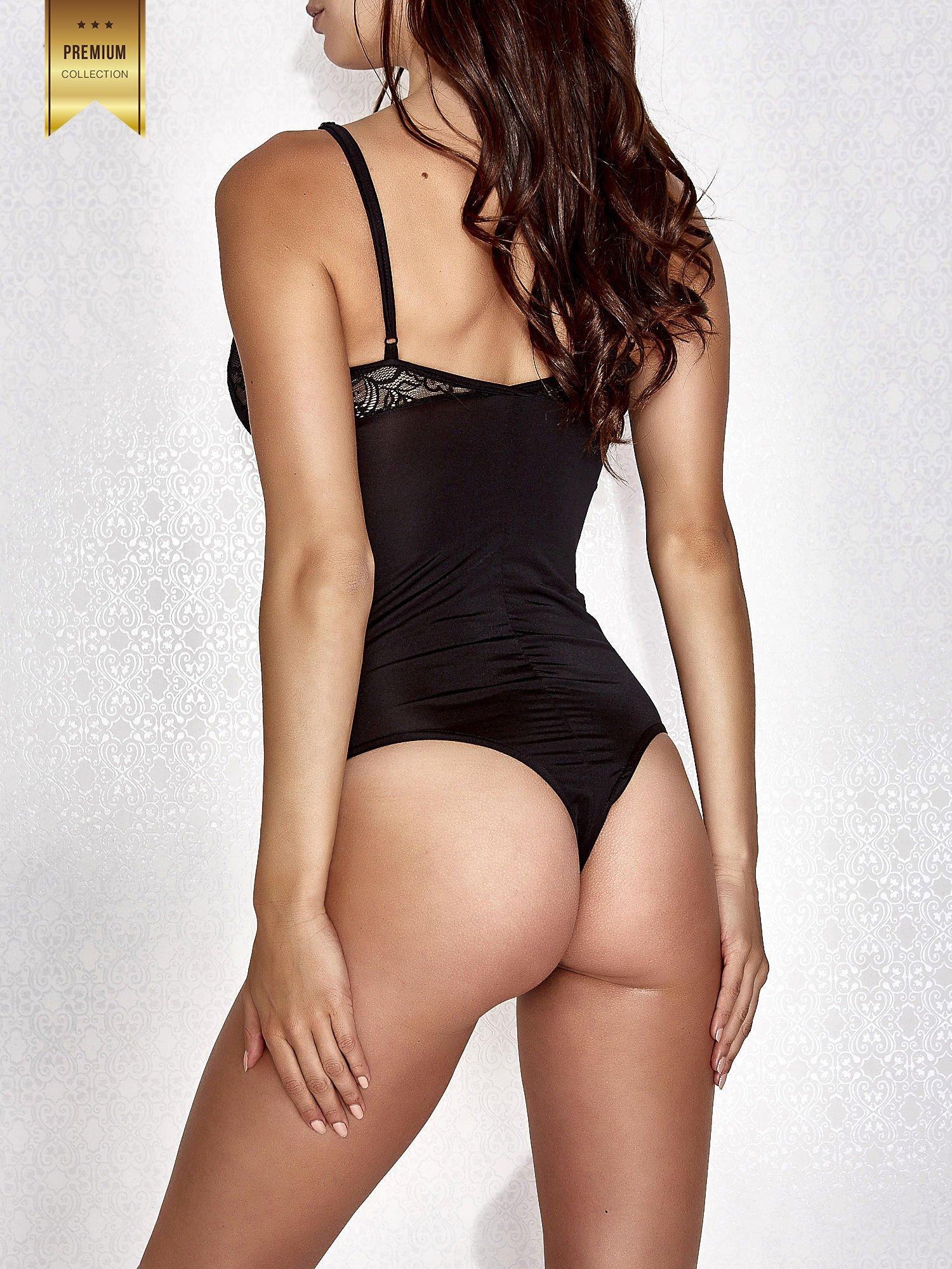 Czarne body damskie z dekoltem cut out                                  zdj.                                  4