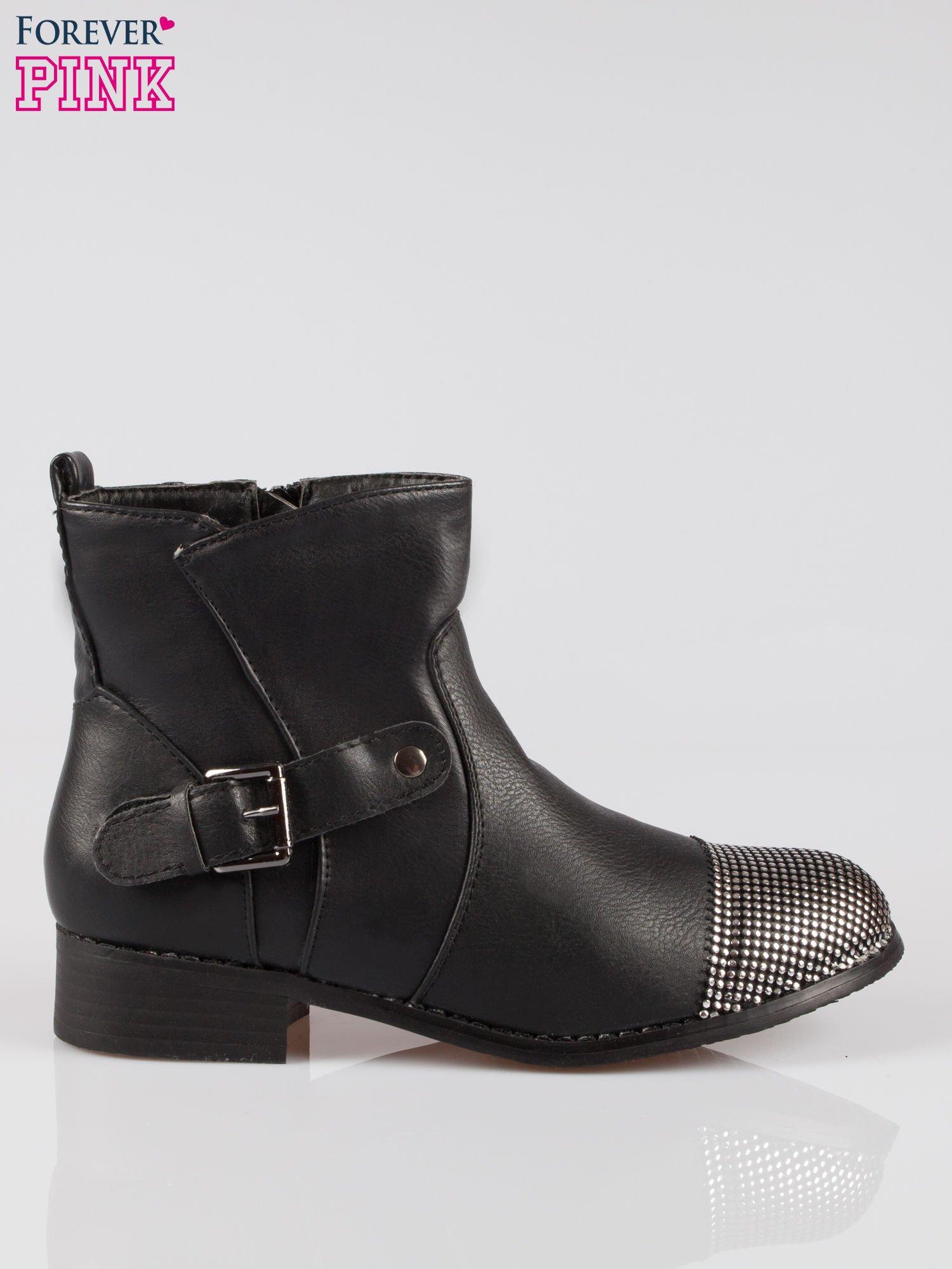 Czarne botki biker boots z noskiem nabitym dżetami                                  zdj.                                  1