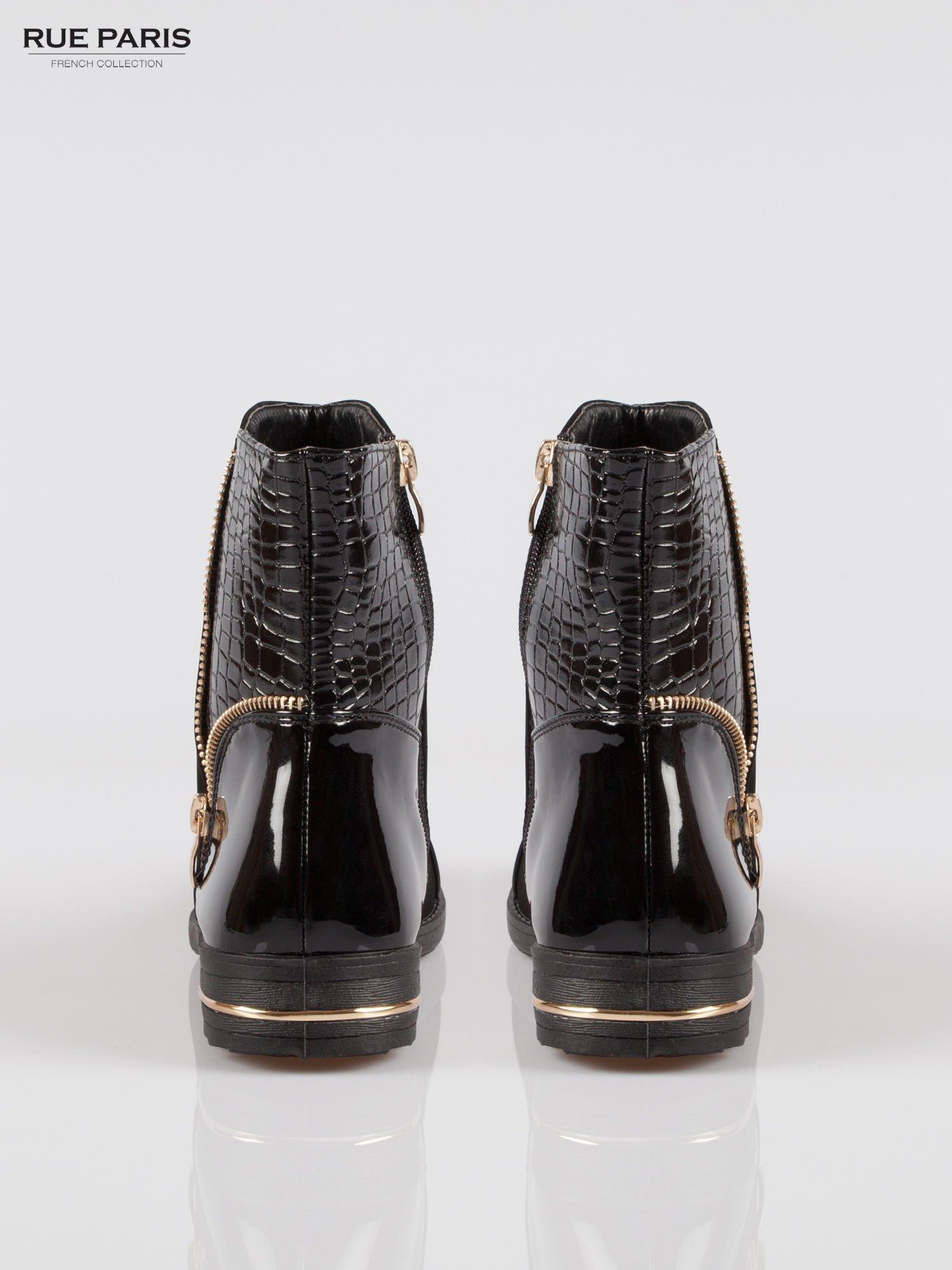 Czarne botki z łączonych materiałów ze złotym suwakiem                                  zdj.                                  3