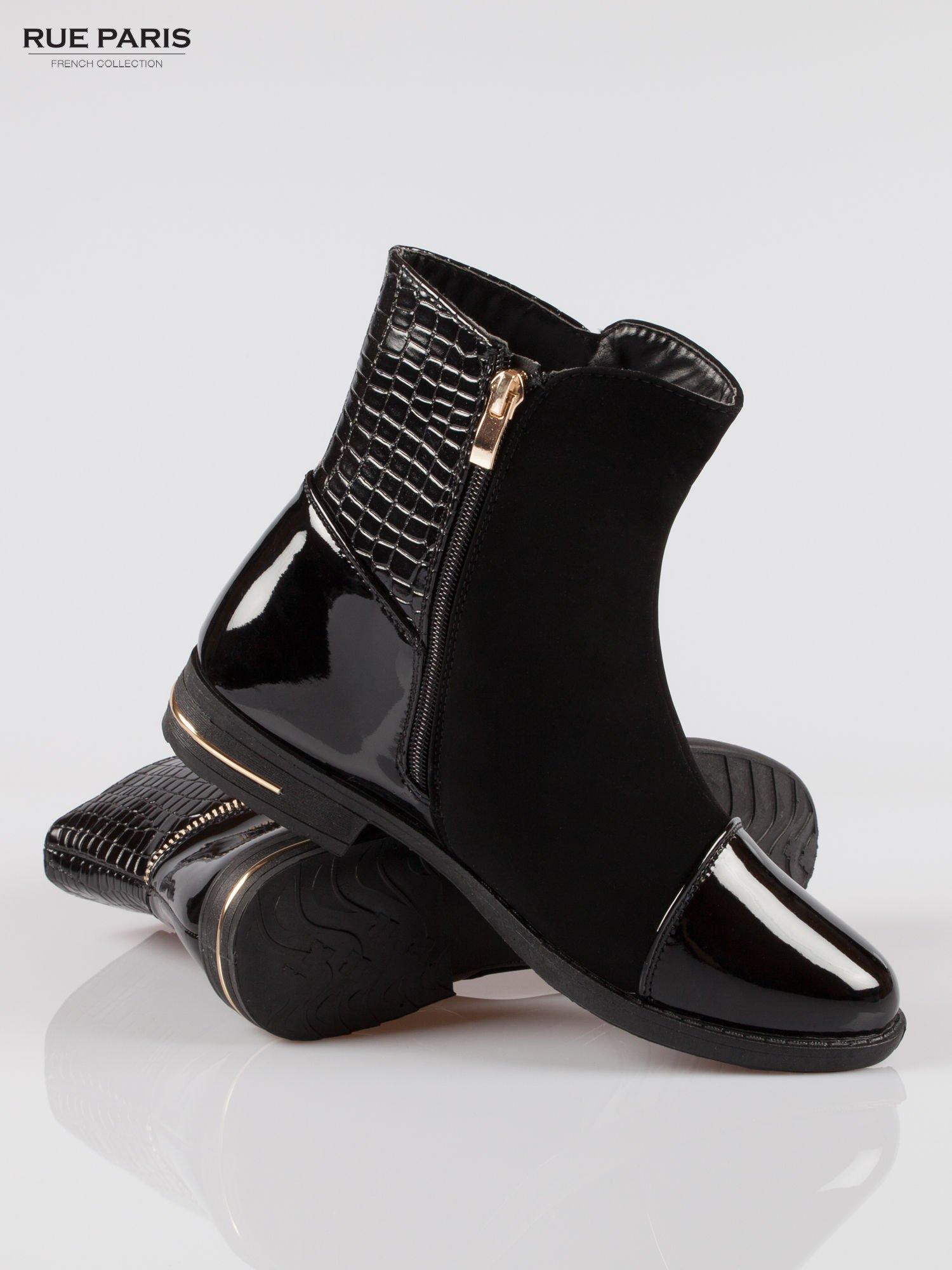Czarne botki z łączonych materiałów ze złotym suwakiem                                  zdj.                                  4
