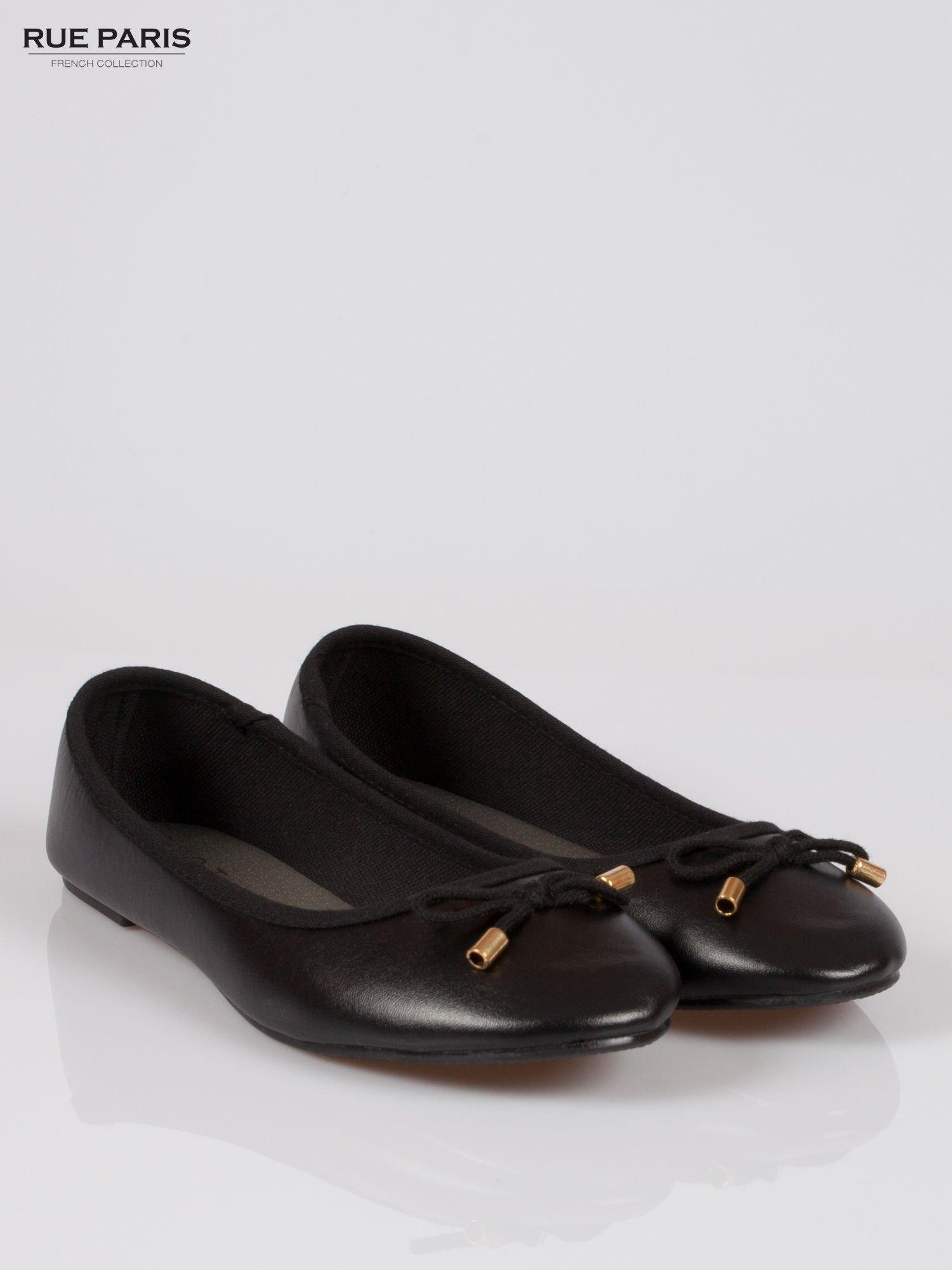 Czarne klasyczne baletki  kokardką ze złotymi troczkami                                  zdj.                                  2