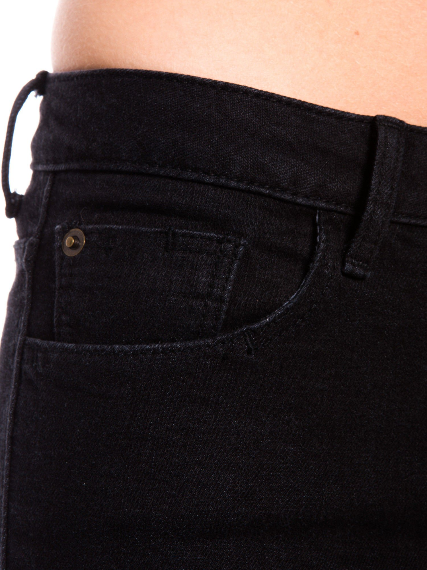 Czarne klasyczne jeansy rurki                                  zdj.                                  4