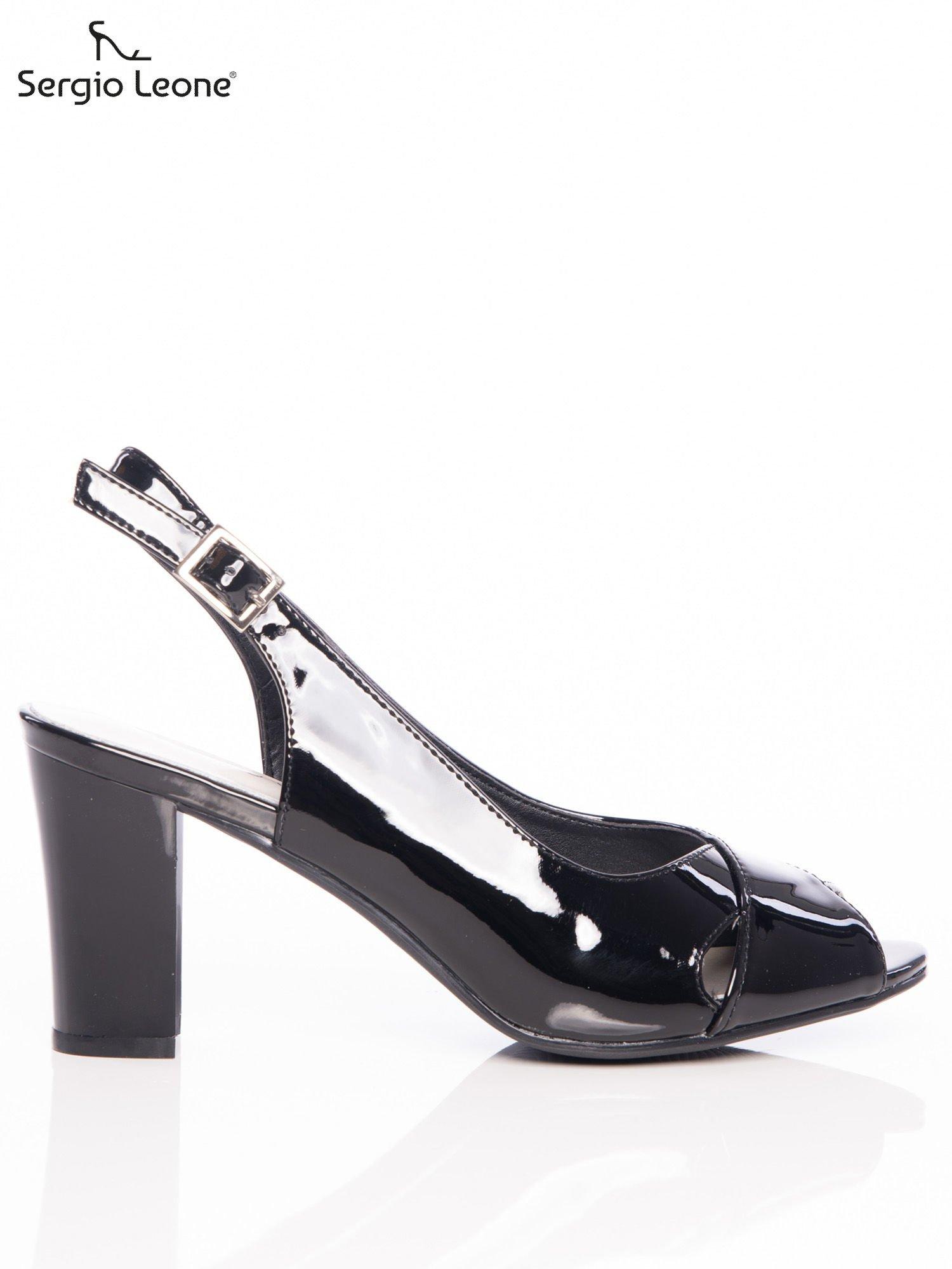5c1eaabe972e Czarne lakierowane sandały Sergio Leone z ozdobnymi paskami na przodzie na  wyższym słupku ...