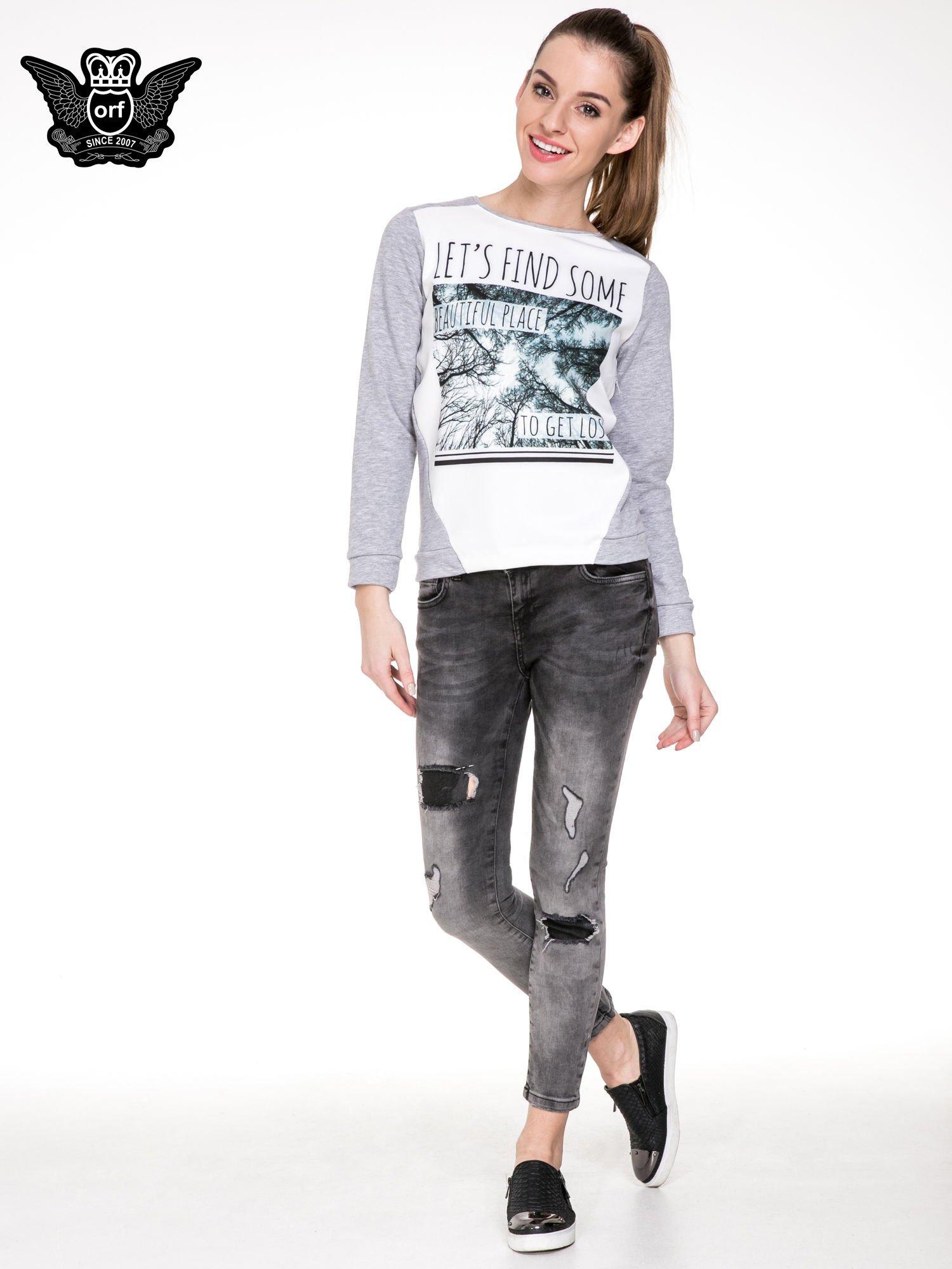 Czarne rozjaśniane spodnie jeansowe 7/8 z przetarciami i łatami                                  zdj.                                  2