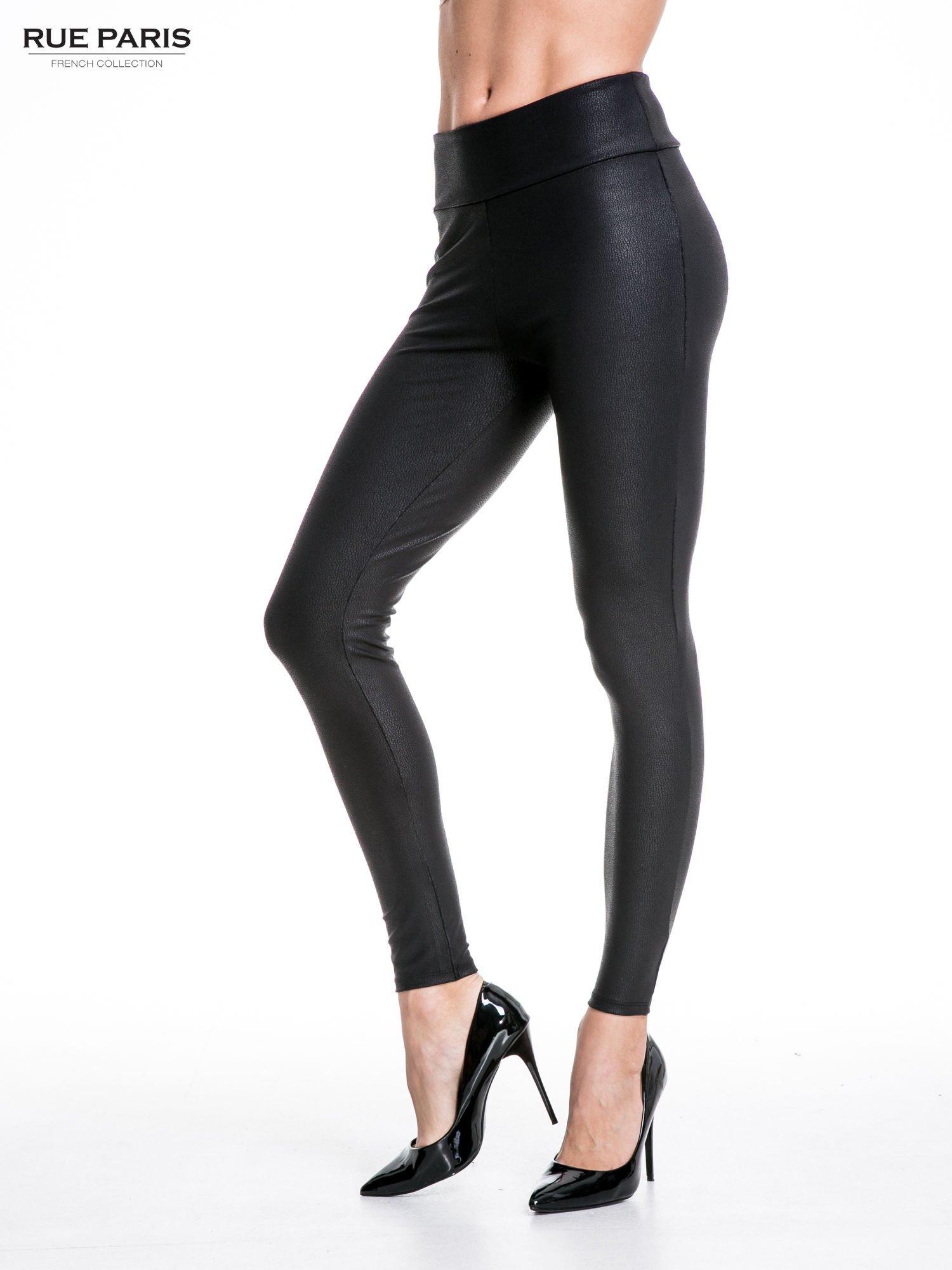 Czarne skórzane legginsy z efektem tłoczenia                                  zdj.                                  1