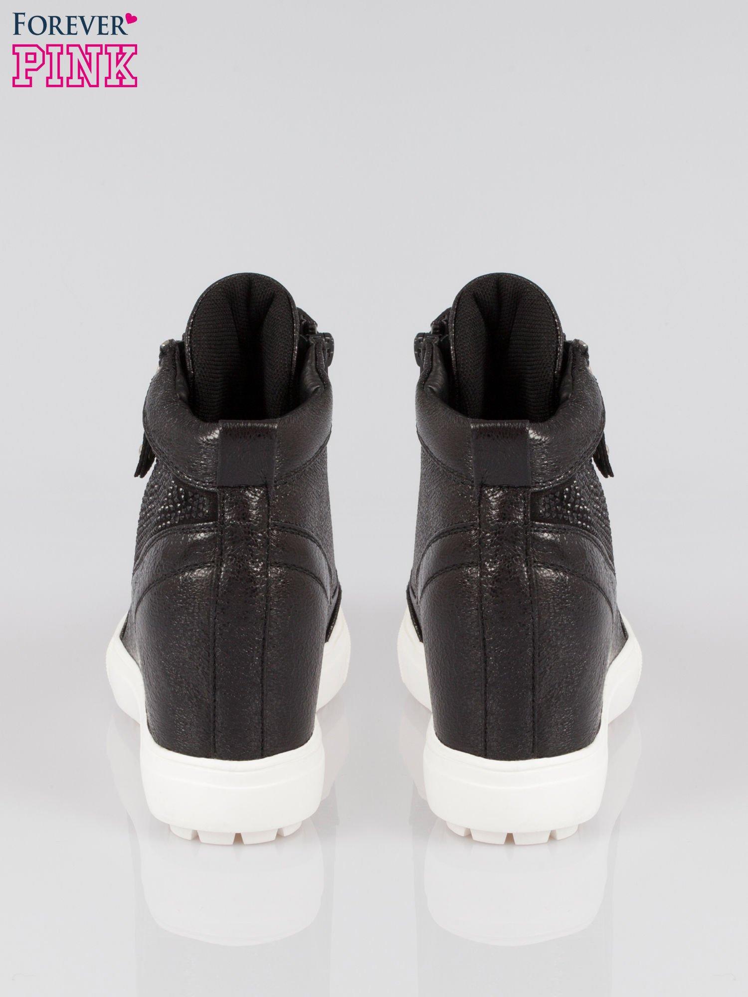 Czarne sneakersy damskie z kryształkami                                  zdj.                                  3
