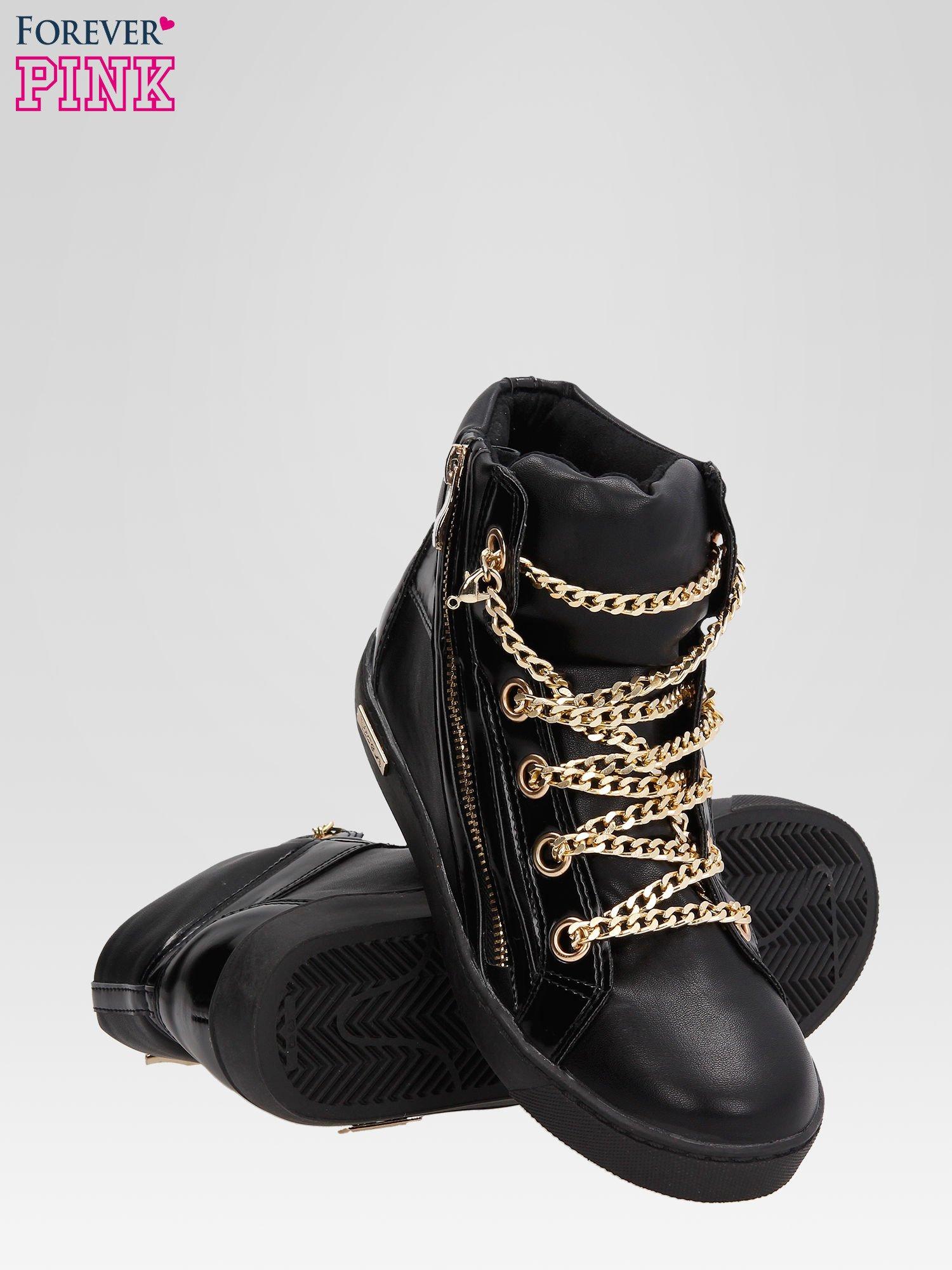 Czarne sneakersy damskie ze złotym łańcuszkiem                                  zdj.                                  4