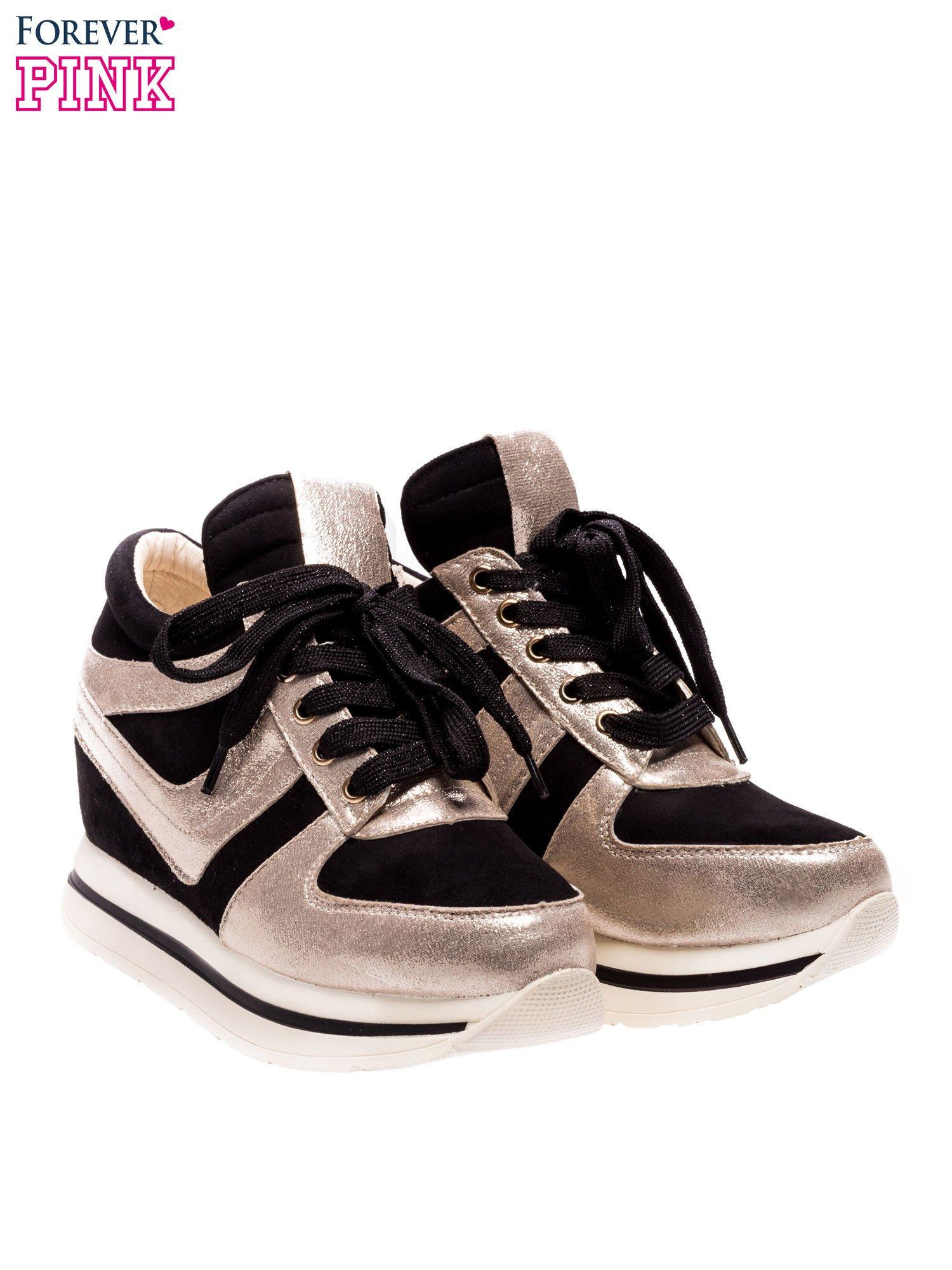 Czarne sneakersy ze złotą wstawką                                  zdj.                                  2