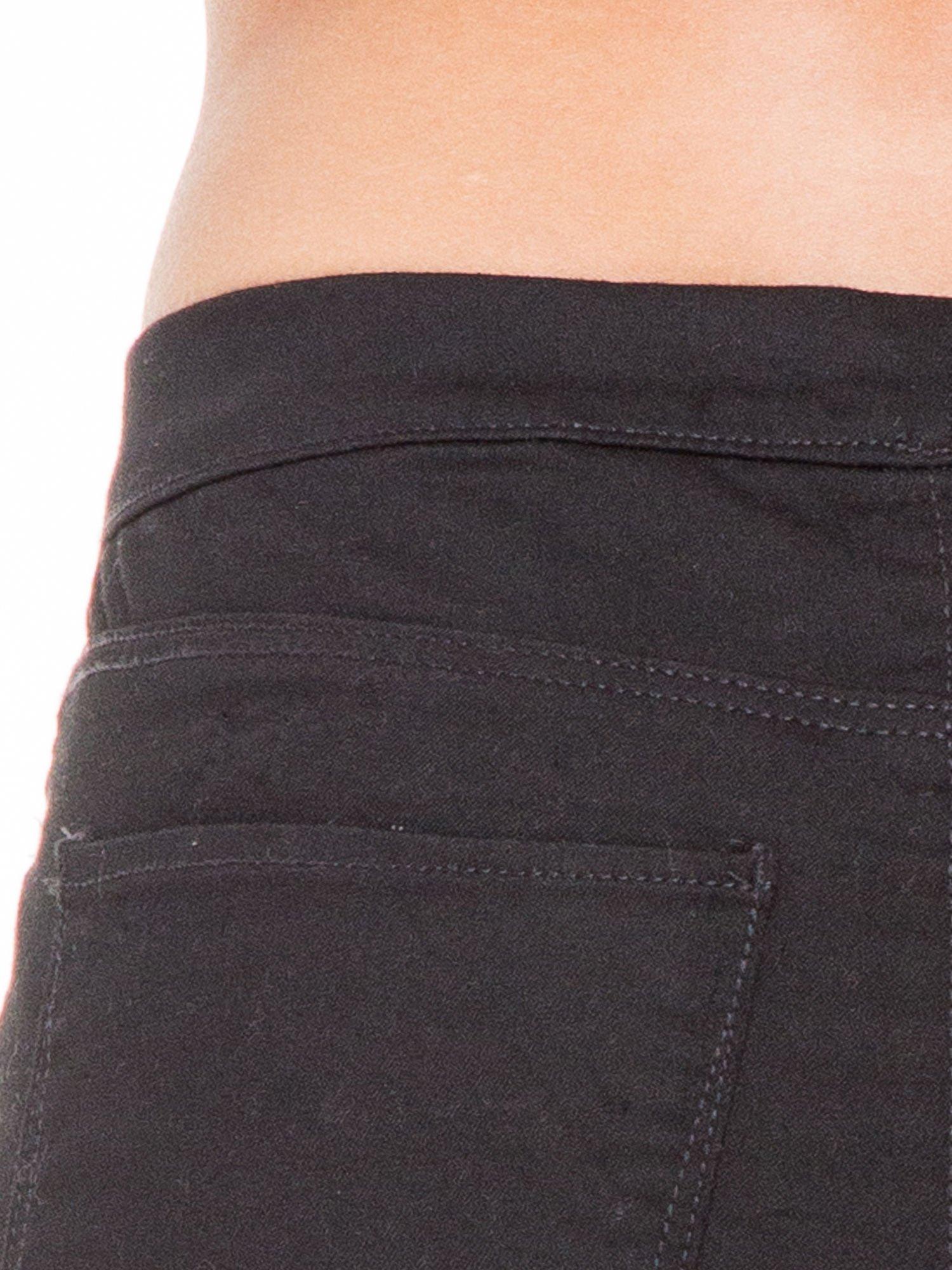 Czarne spodnie typu tregginsy z kieszeniami                                  zdj.                                  4