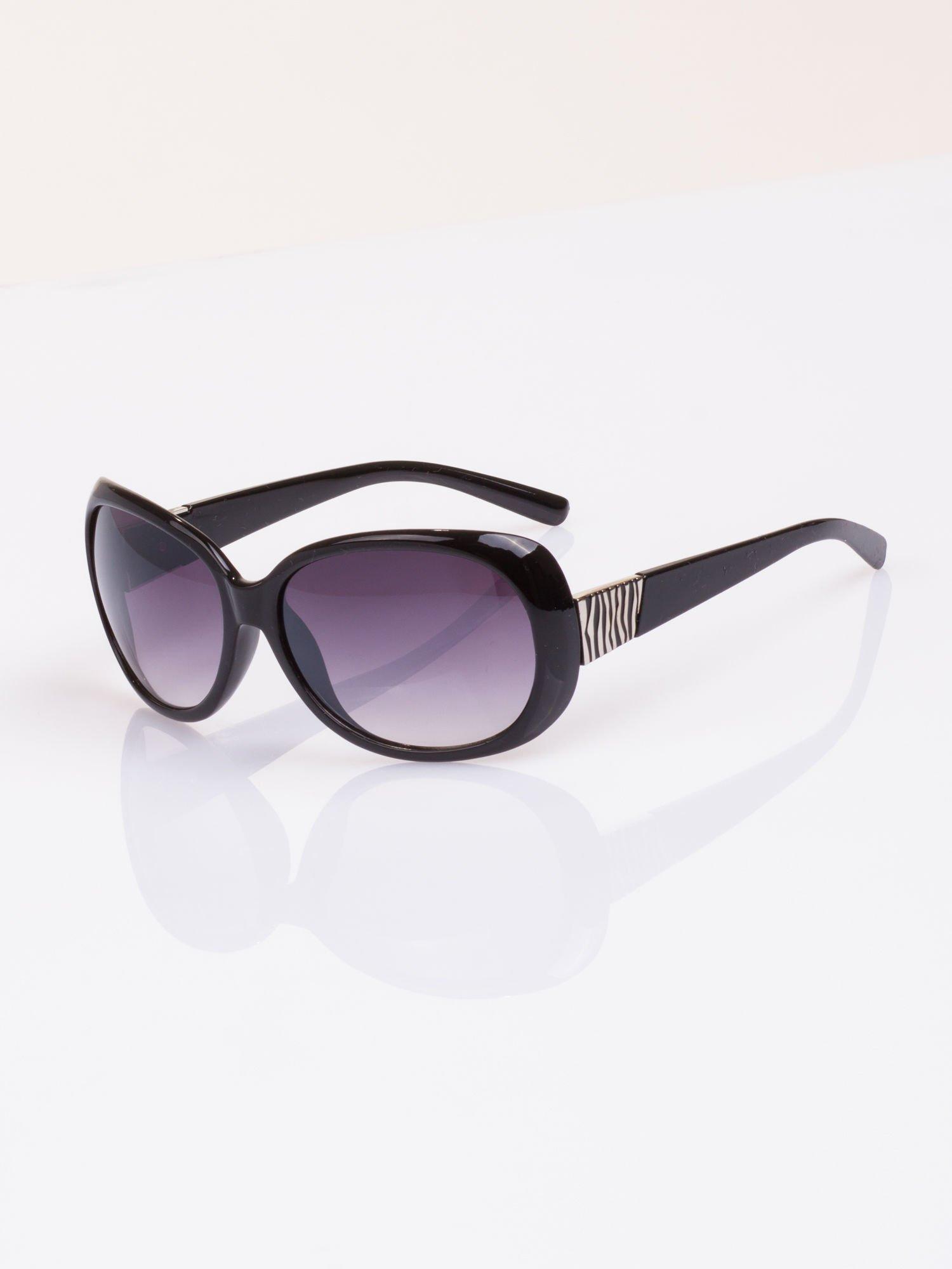 Czarne stylowe okulary  MUCHYz dymionymi soczewkami                                   zdj.                                  1