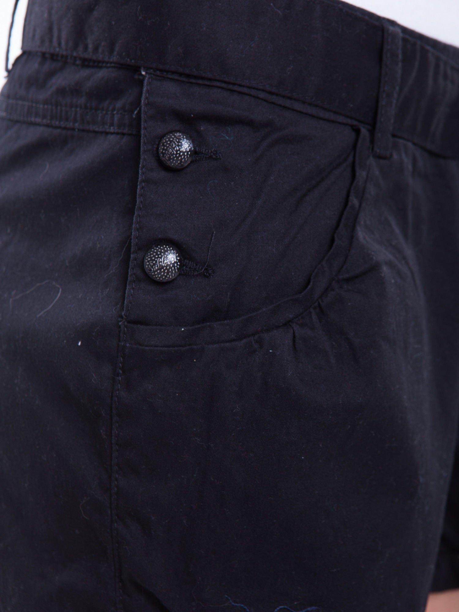 Czarne szorty wiązane w pasie                                  zdj.                                  8