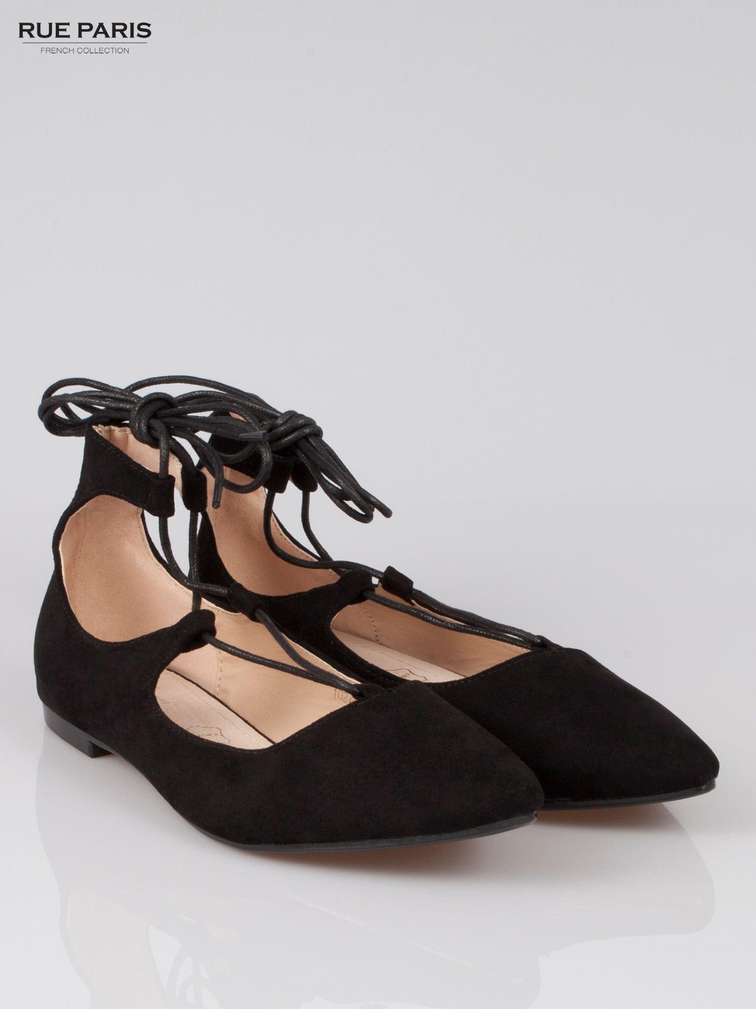 Czarne wiązane baleriny faux suede Kim lace up z zamszu                                  zdj.                                  2