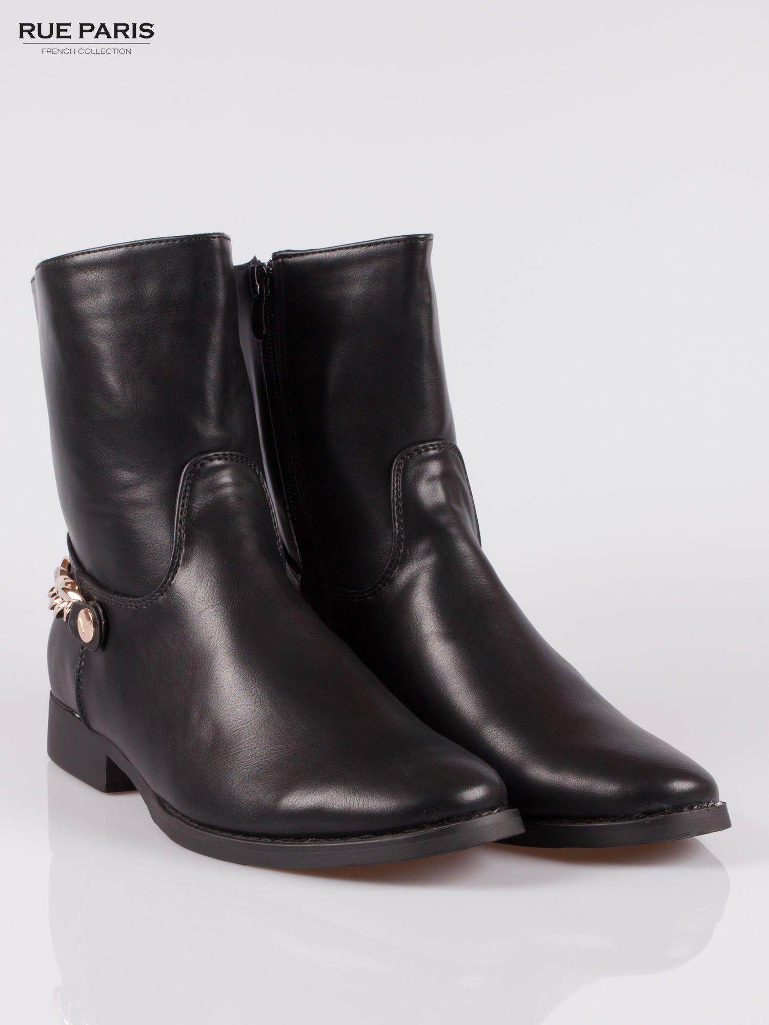 Czarne wysokie botki biker boots ze złotym łańcuchem z tyłu                                  zdj.                                  2