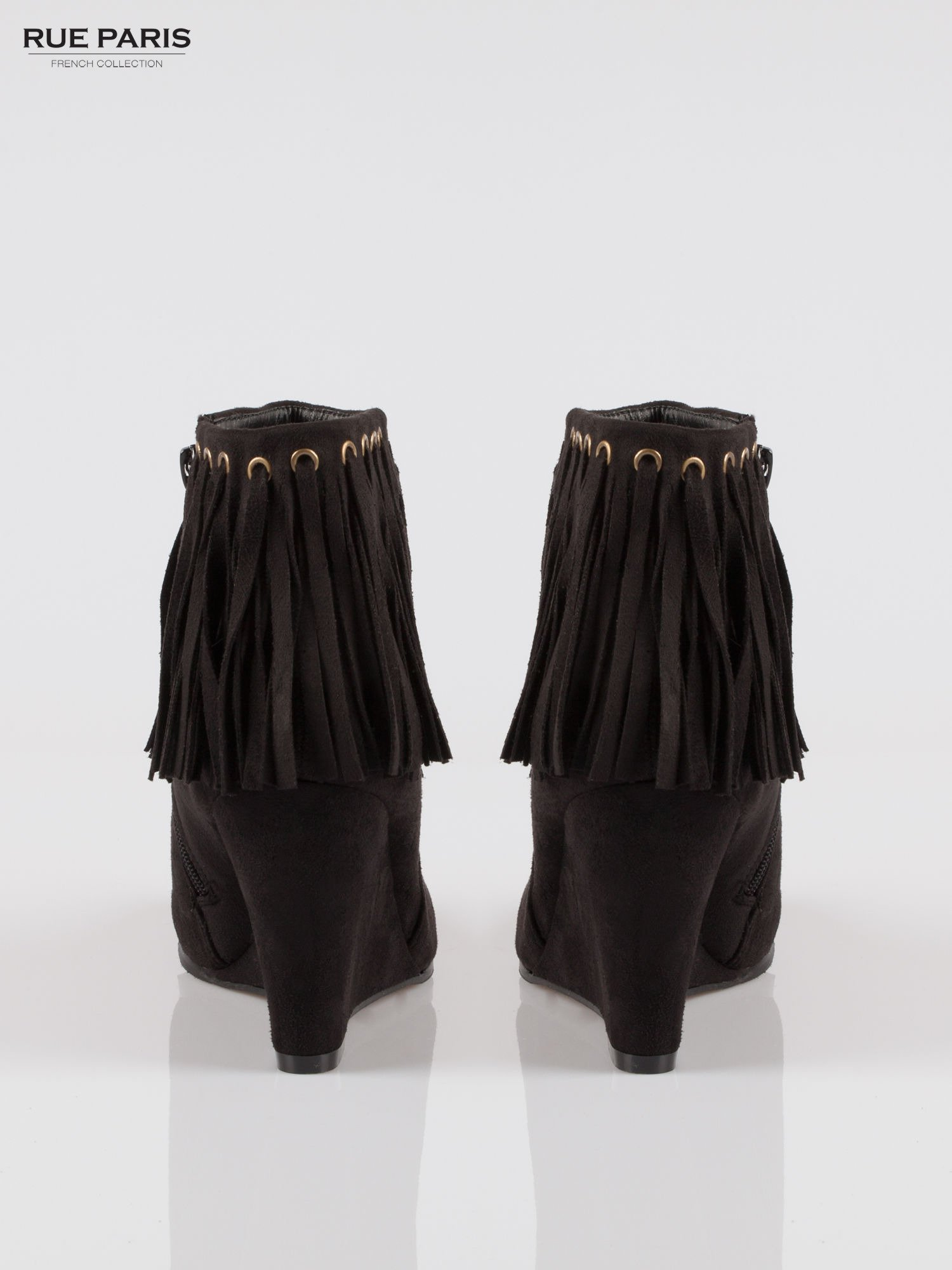 Czarne zamszowe botki na koturnie z frędzlami w stylu boho                                  zdj.                                  3