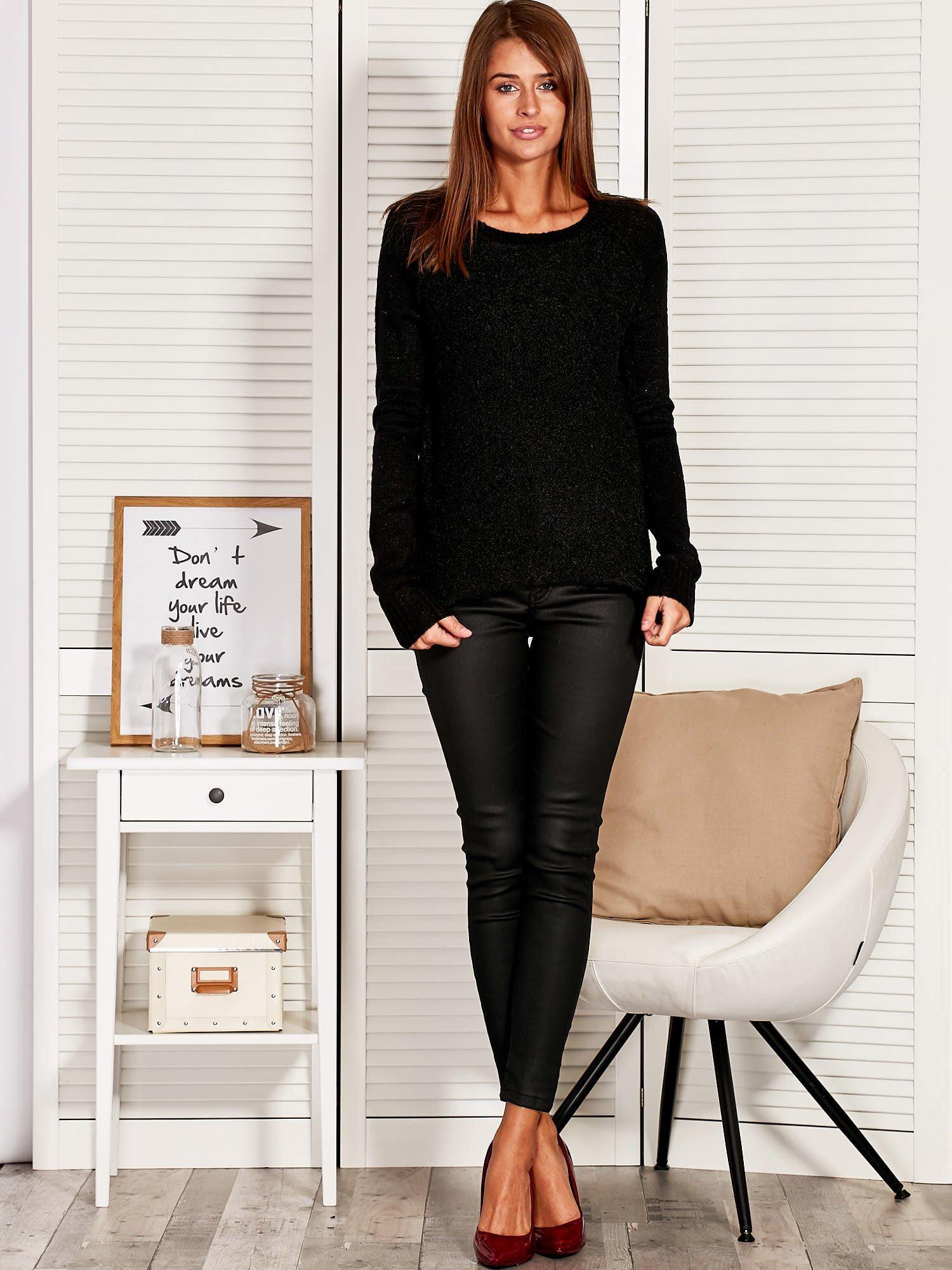 Czarny Sweter z dłuższym tyłem                                  zdj.                                  1