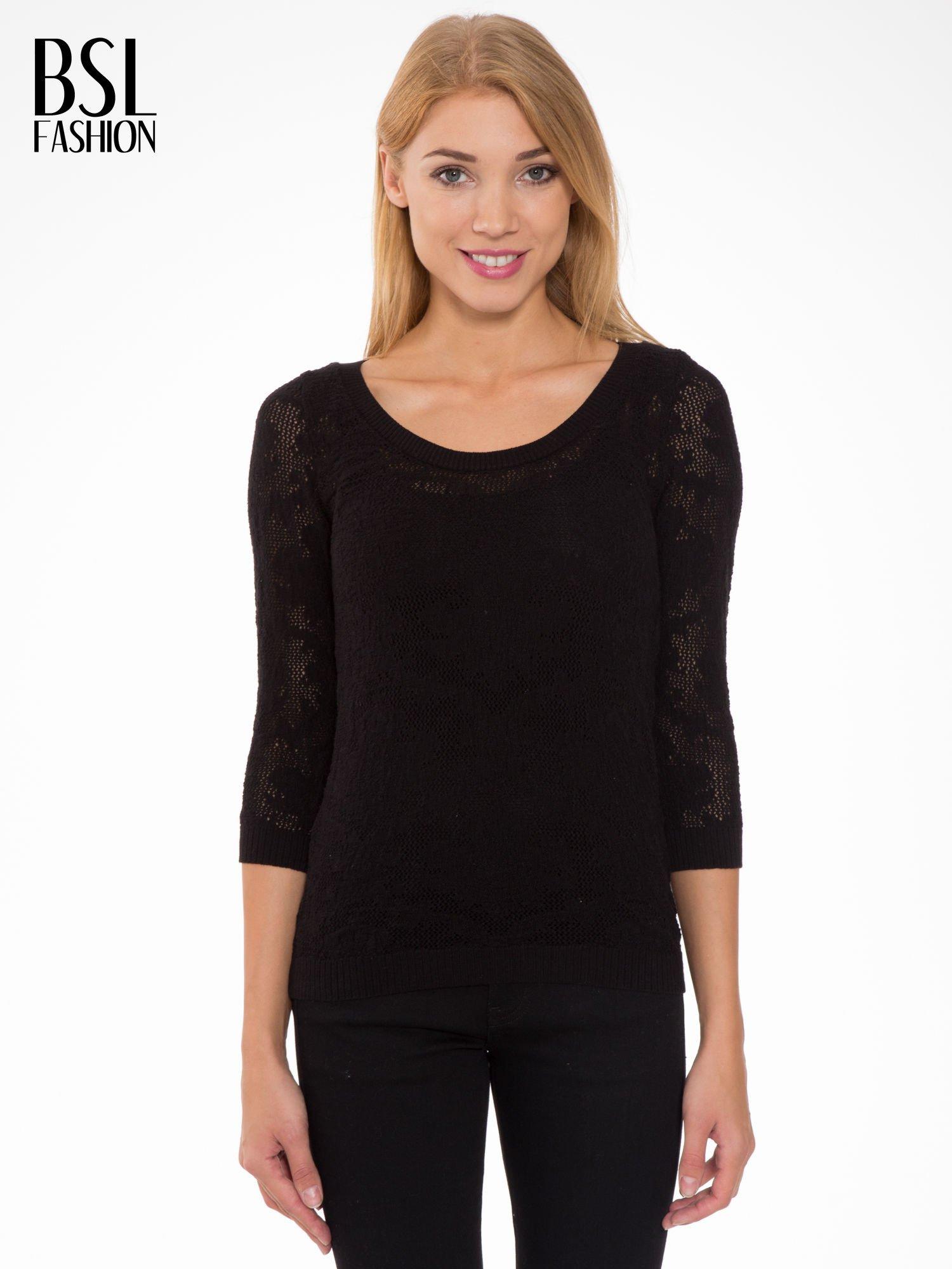 Czarny ażurowy sweter z rękawami 3/4                                  zdj.                                  1