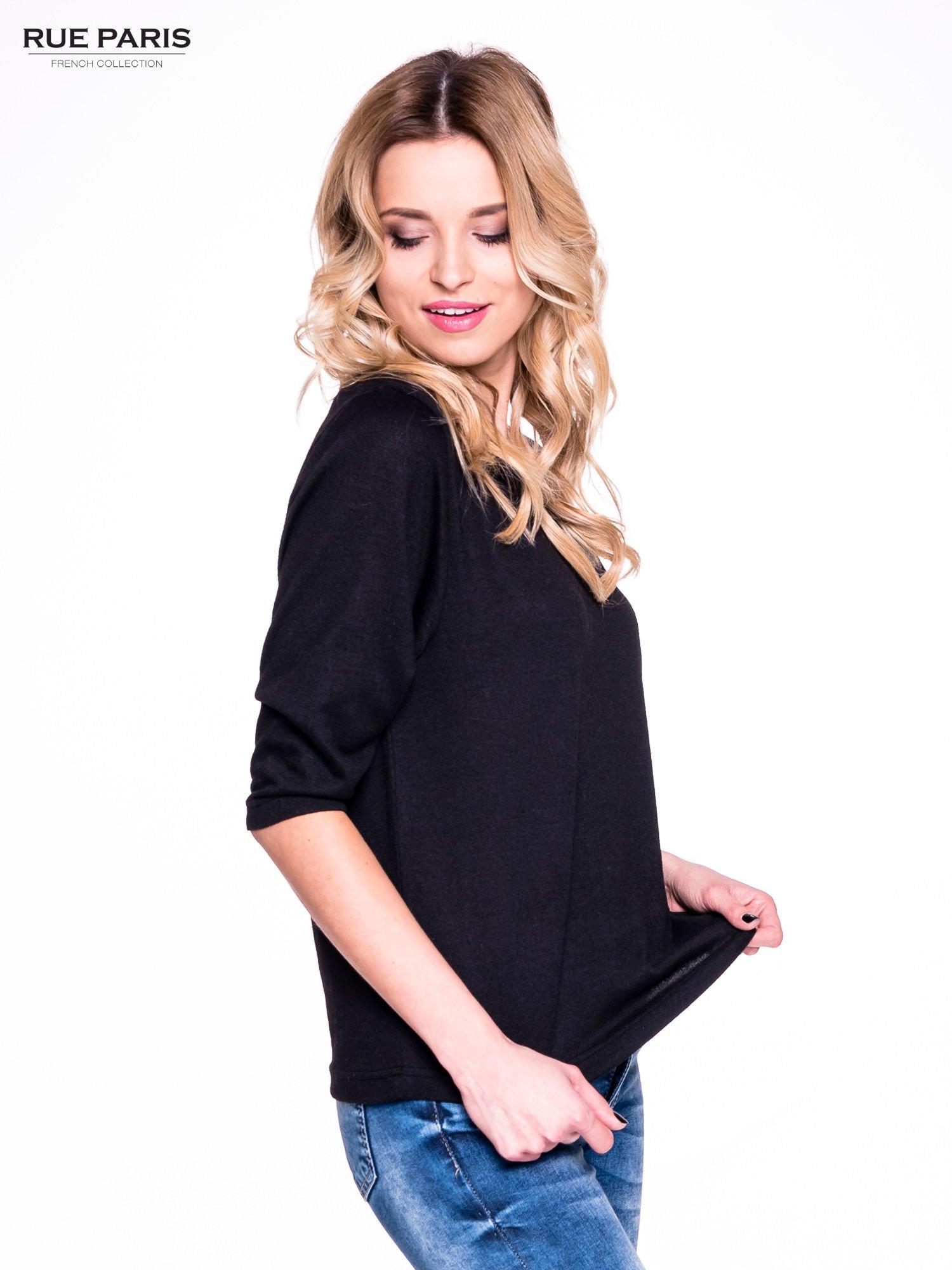 Czarny klasyczny sweterek z luźnym rękawkiem 3/4                                  zdj.                                  3