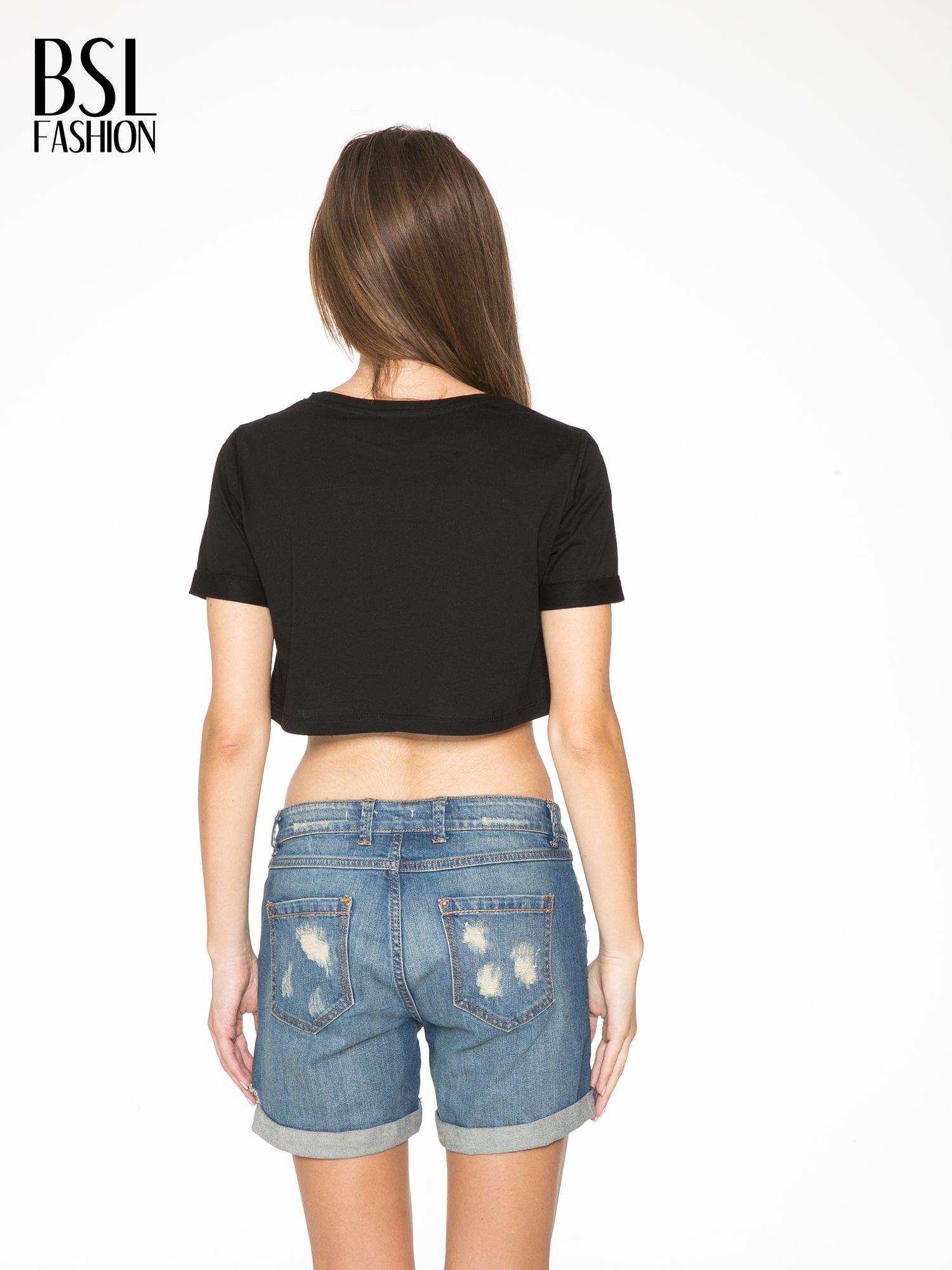 Czarny krótki t-shirt przed pępek z napisem BOY LONDON                                  zdj.                                  4