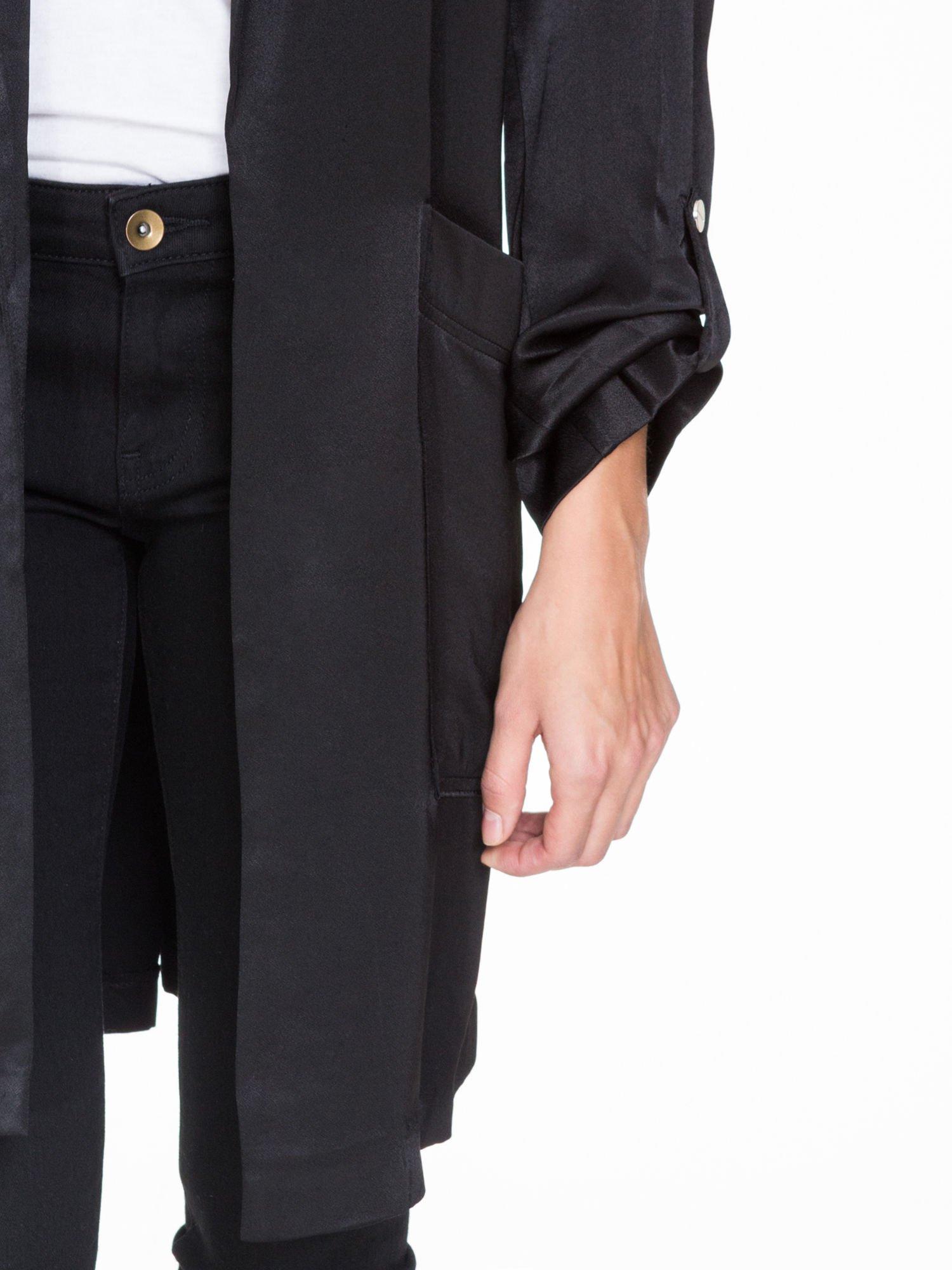 Czarny lejący żakiet z tkaniny z efektem połysku                                  zdj.                                  6