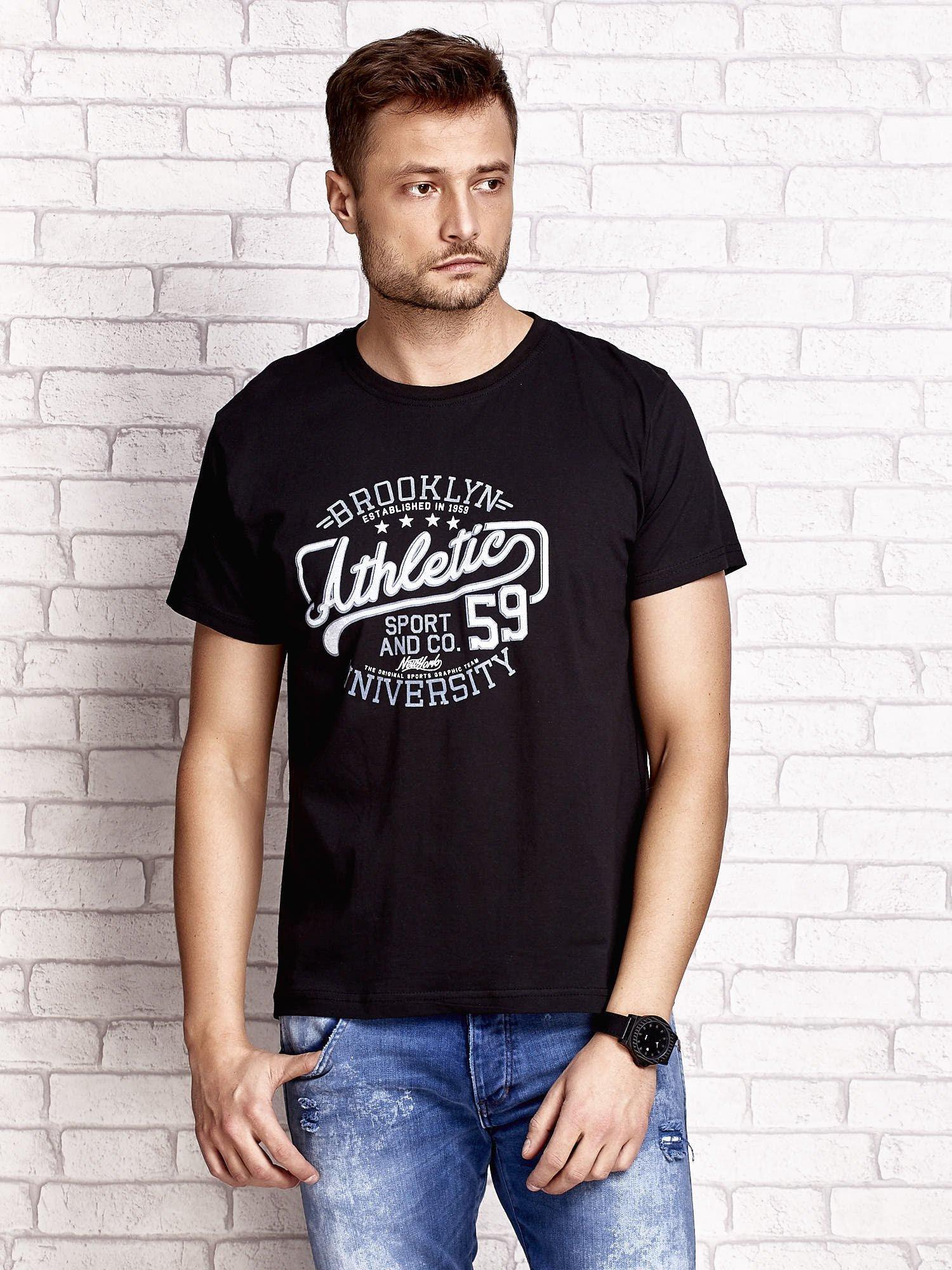 Czarny t-shirt męski z napisem BROOKLYN ATHLETIC UNIVERSITY                                  zdj.                                  1
