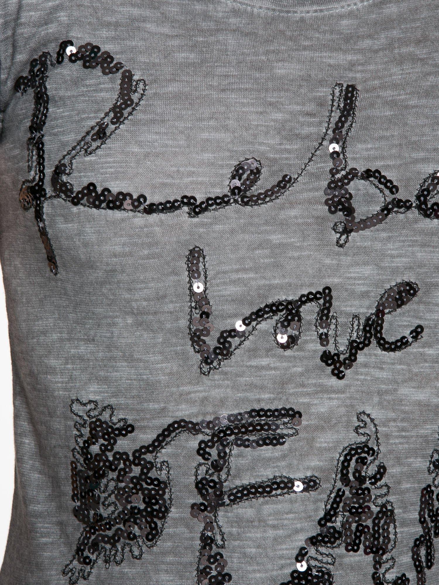 Czarny t-shirt z cekinowym napisem REBEL LOVE                                  zdj.                                  8