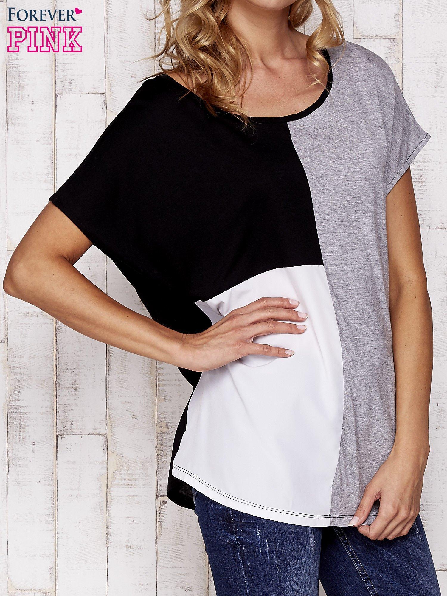 Czarny t-shirt z kolorowymi wstawkami                                  zdj.                                  1