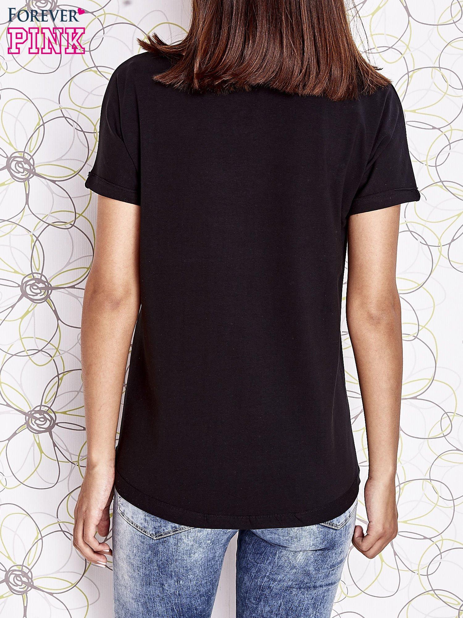 Czarny t-shirt z motywem serca i kokardki                                  zdj.                                  6