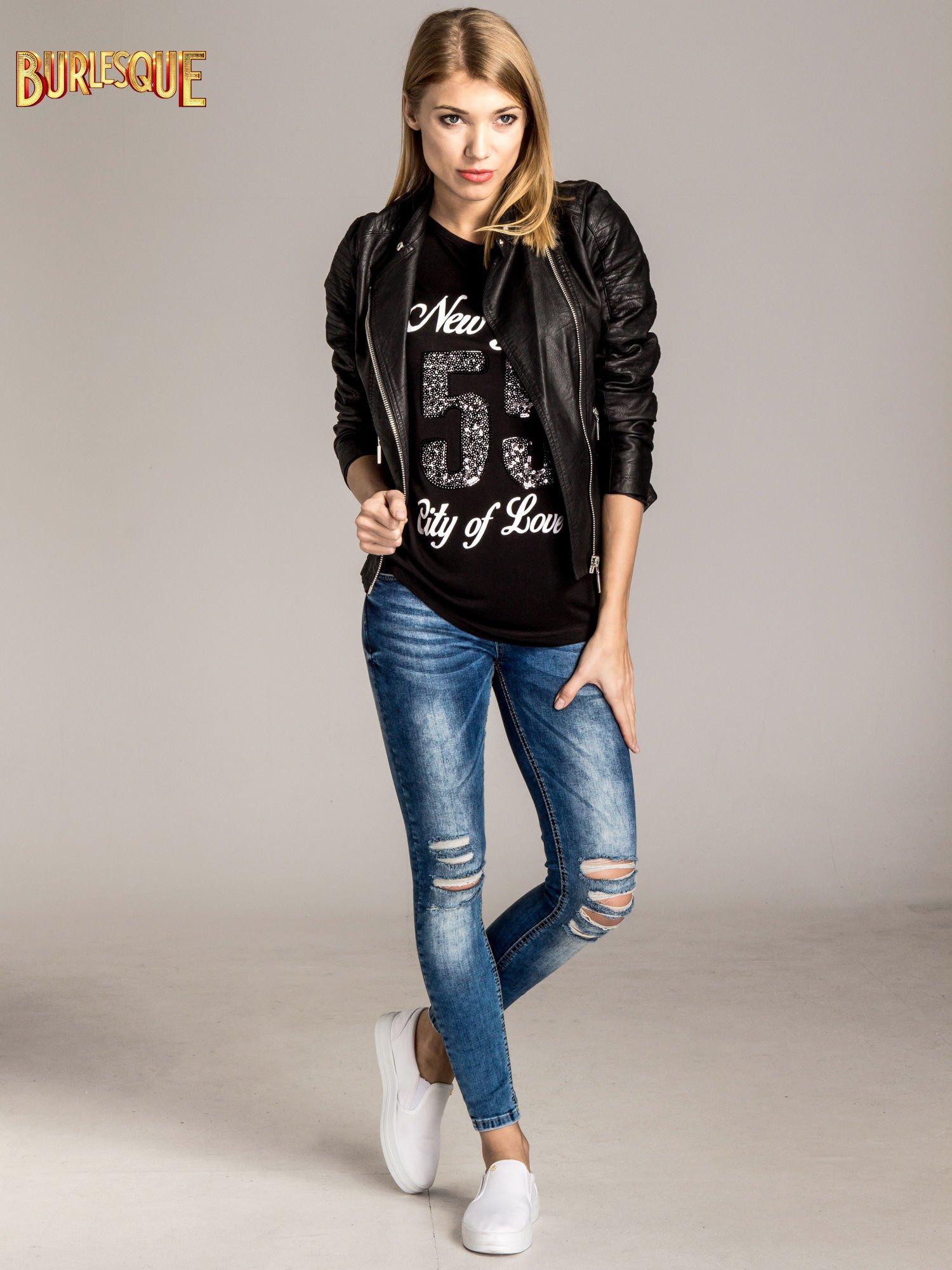 Czarny t-shirt z nadrukiem NEW YORK 55 i siatkowymi rękawami                                  zdj.                                  5