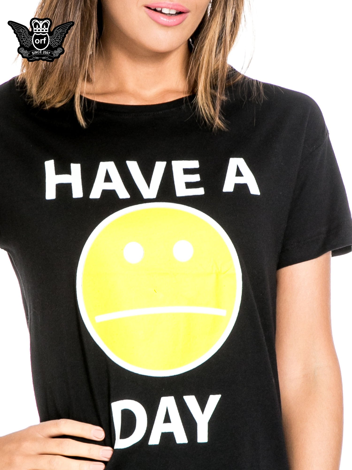 Czarny t-shirt z nadrukiem so-so smile                                  zdj.                                  5