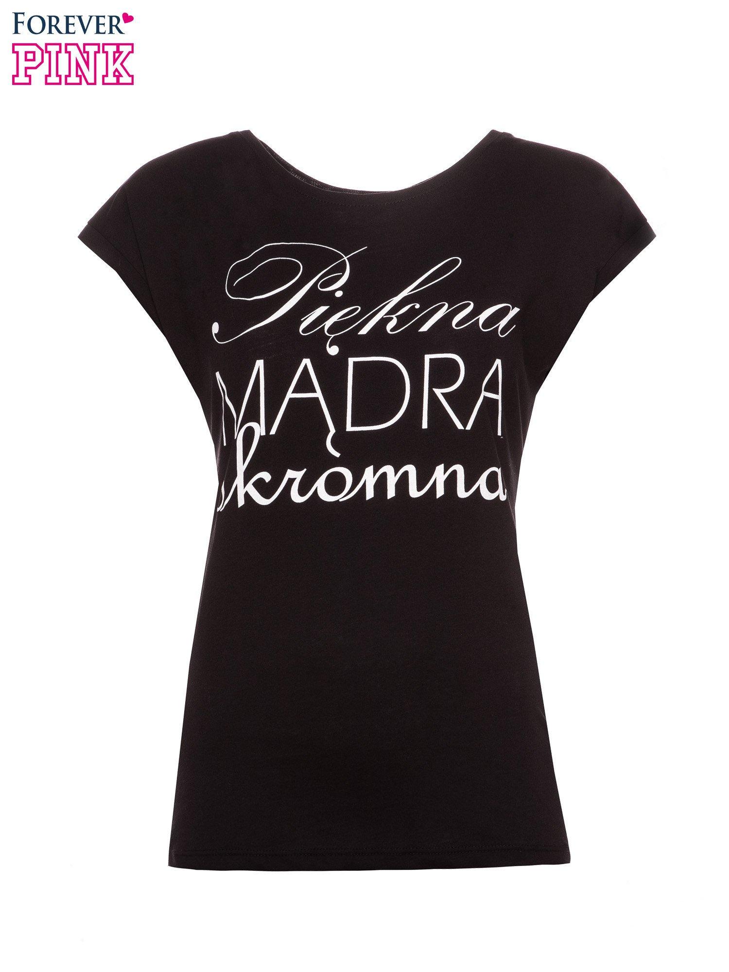 Czarny t-shirt z nadrukiem tekstowym PIĘKNA MĄDRA SKROMNA                                  zdj.                                  2