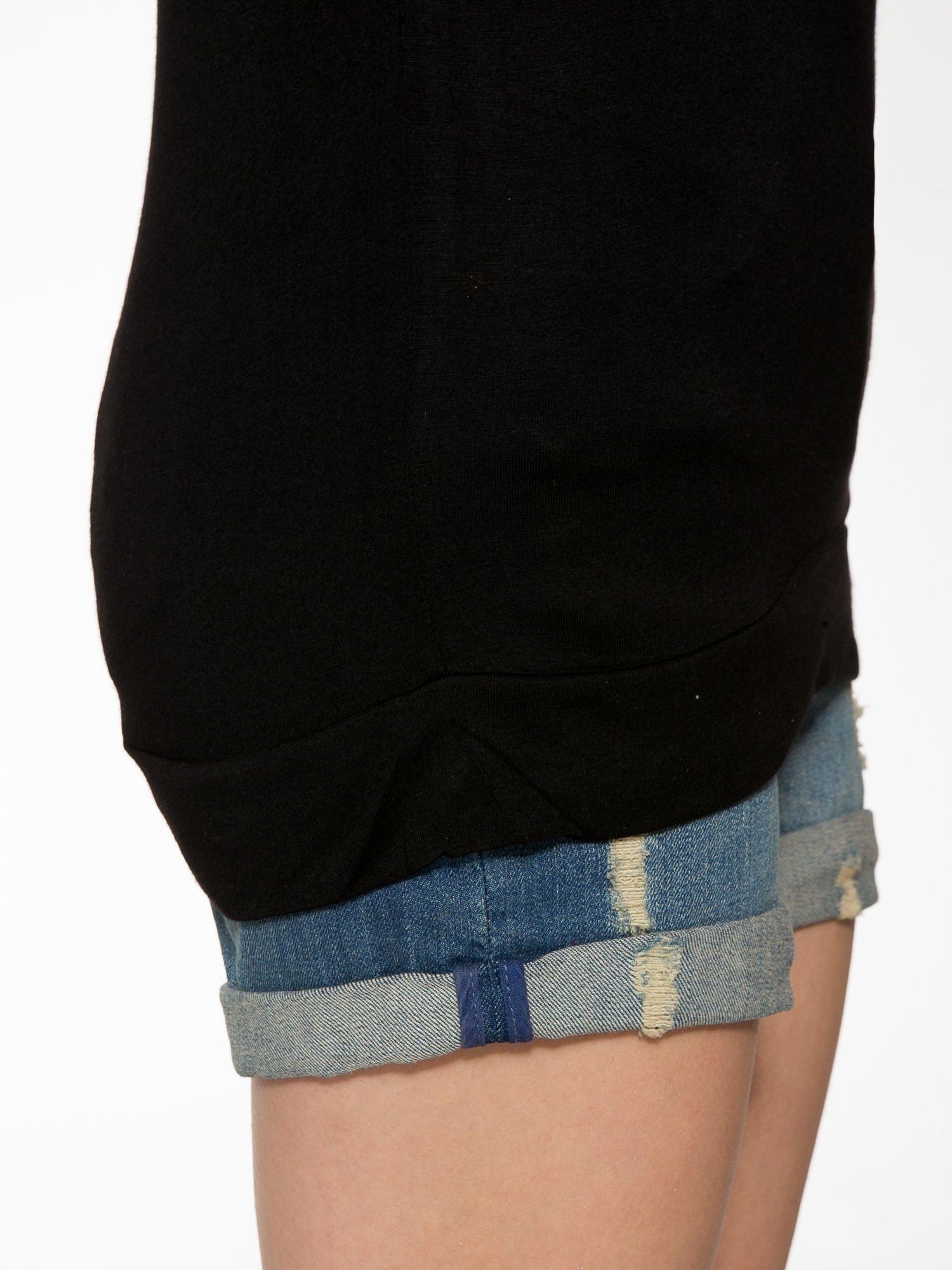 Czarny t-shirt z napisem DÉSIRÉ z dżetami                                  zdj.                                  9