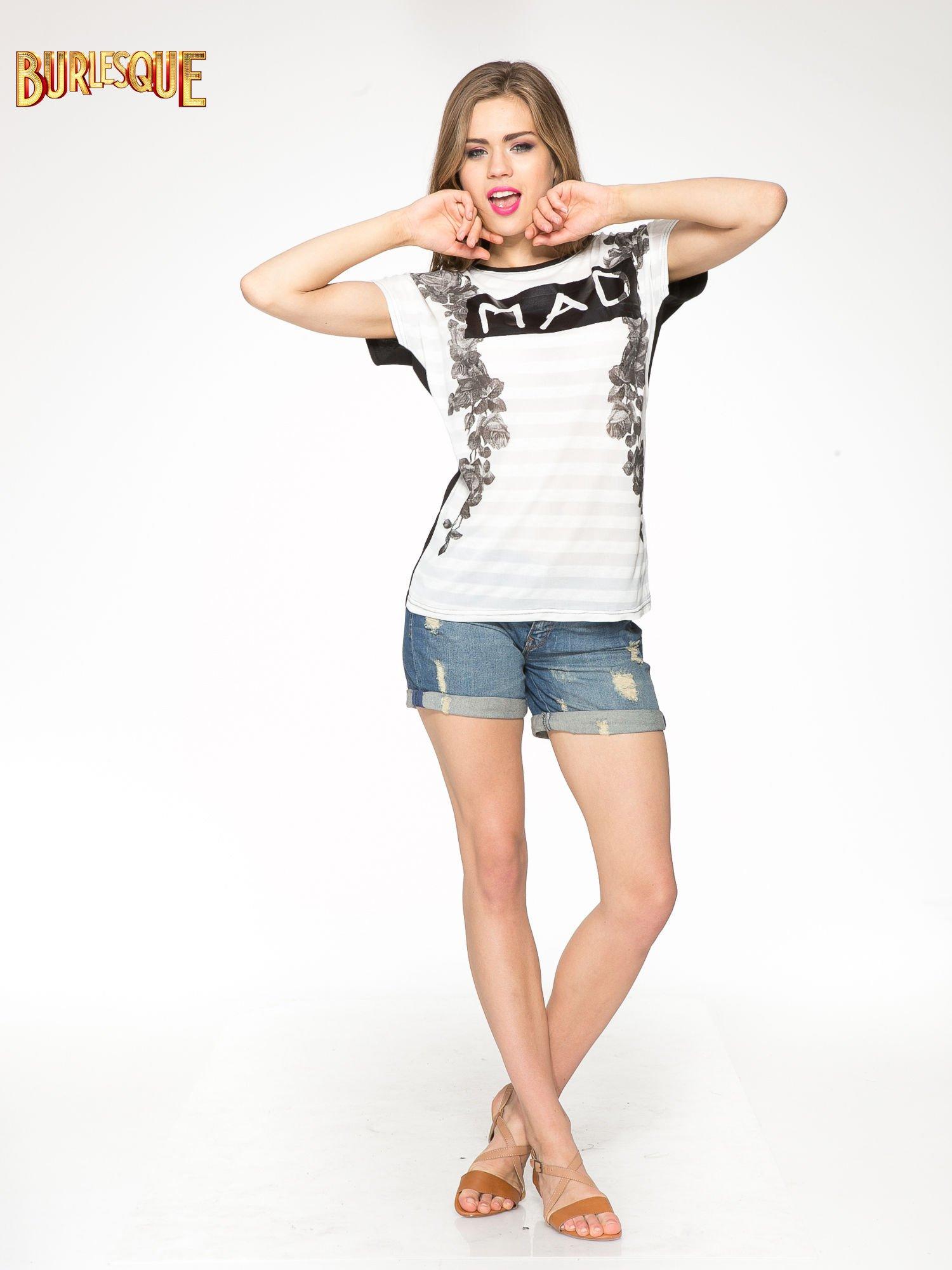 Czarny t-shirt z napisem MAD i kwiatowym nadrukiem                                  zdj.                                  2