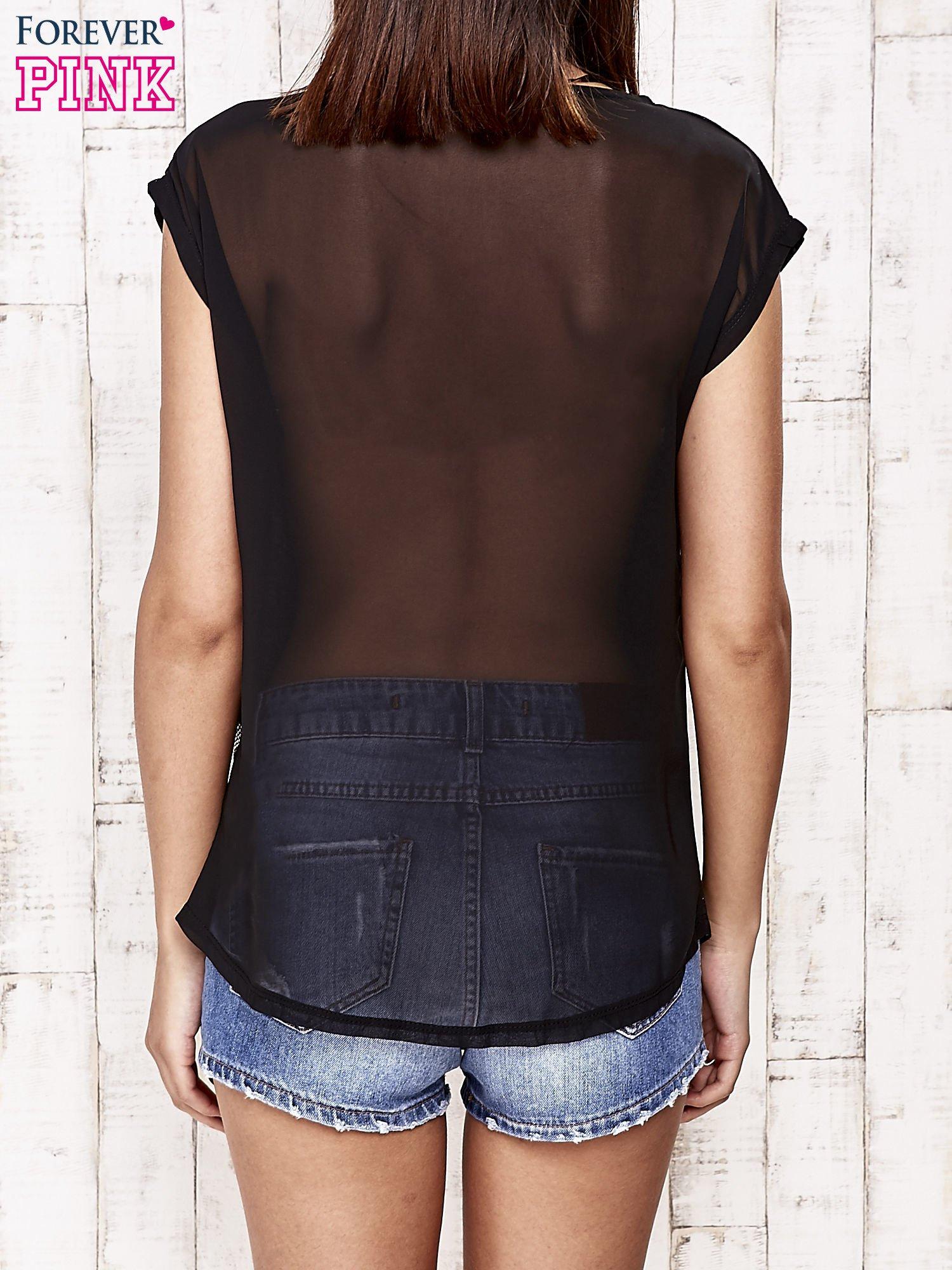 Czarny t-shirt ze srebrną nitką i aplikacją z dżetów                                  zdj.                                  4
