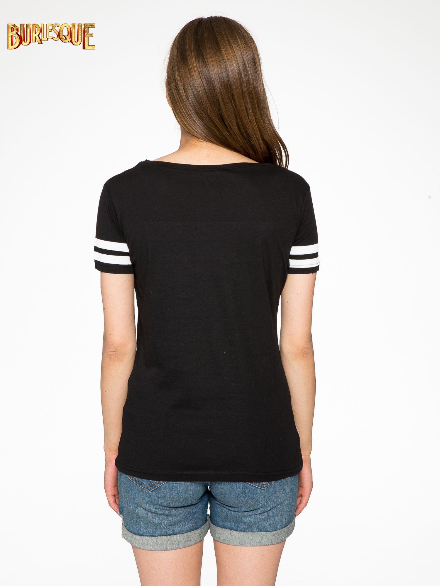 Czarny t-shirt ze złotym napisem LOVE                                  zdj.                                  4