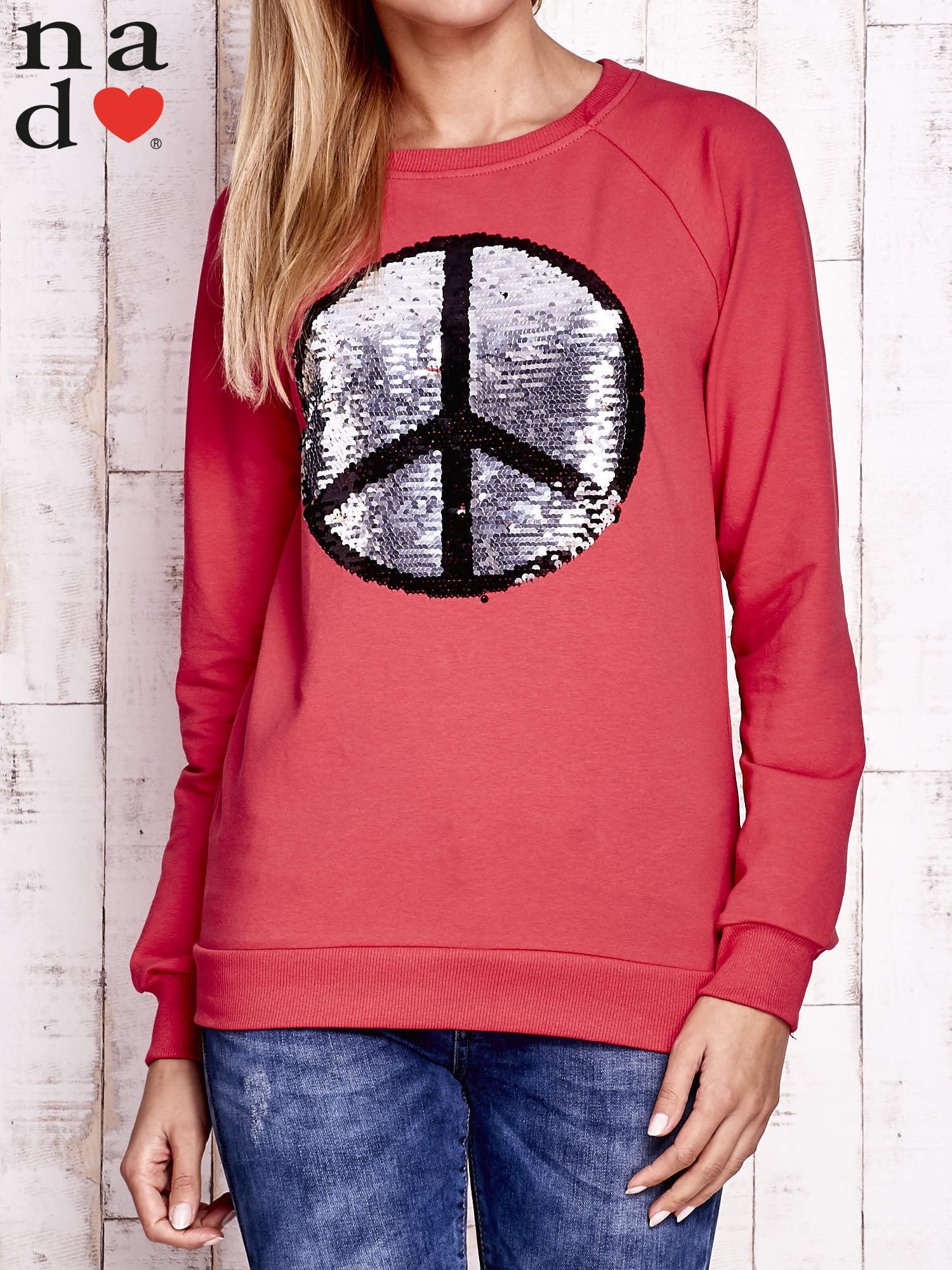Czerwona bluza z dwustronną naszywką z cekinów                                  zdj.                                  6